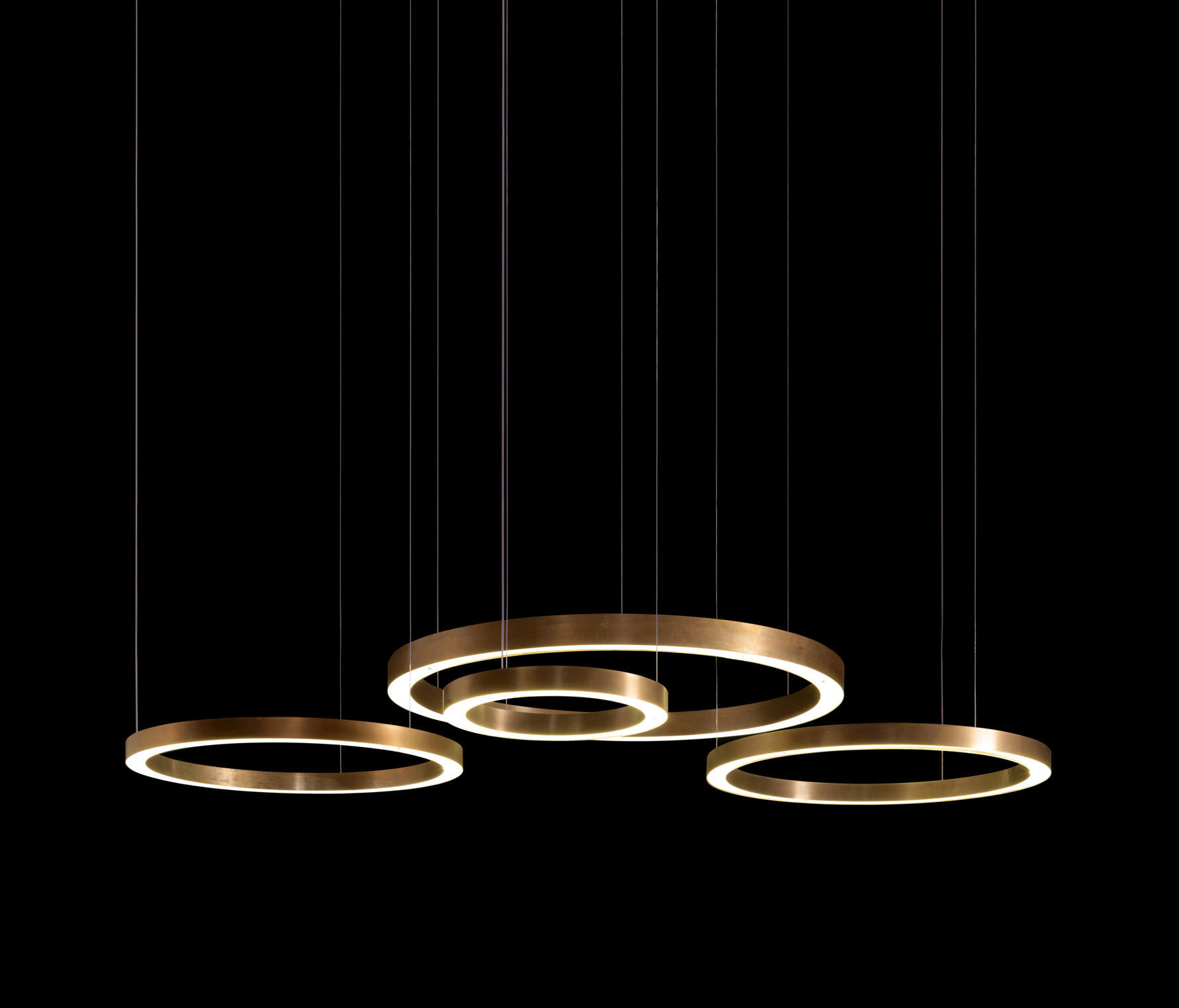 Light ring horizontal general lighting from henge for Replica leuchten