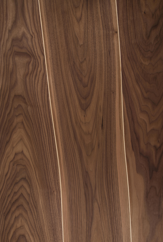 placage en noyer avec inserts en rable placages bois de. Black Bedroom Furniture Sets. Home Design Ideas