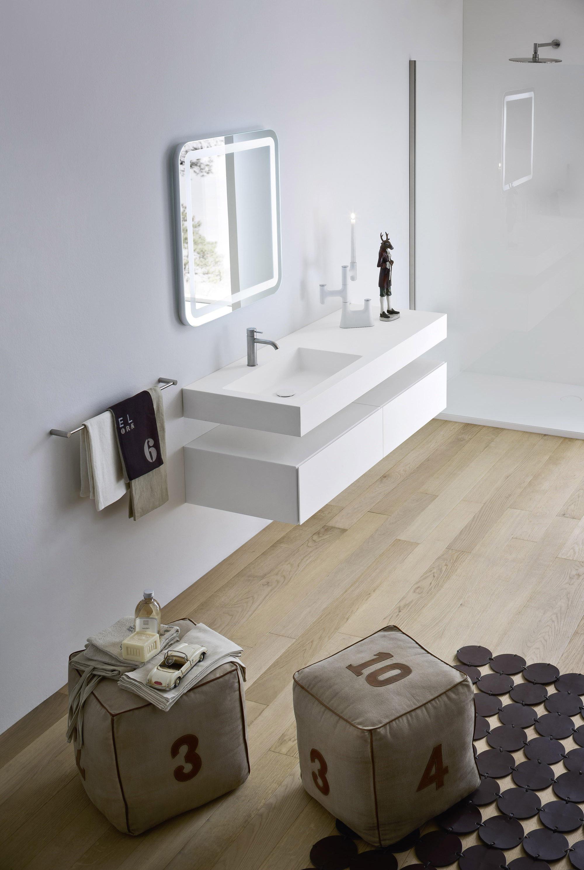 Vasca Doccia Rexa Design.Pulizia Della Casa Piano Con Lavabo Integrato