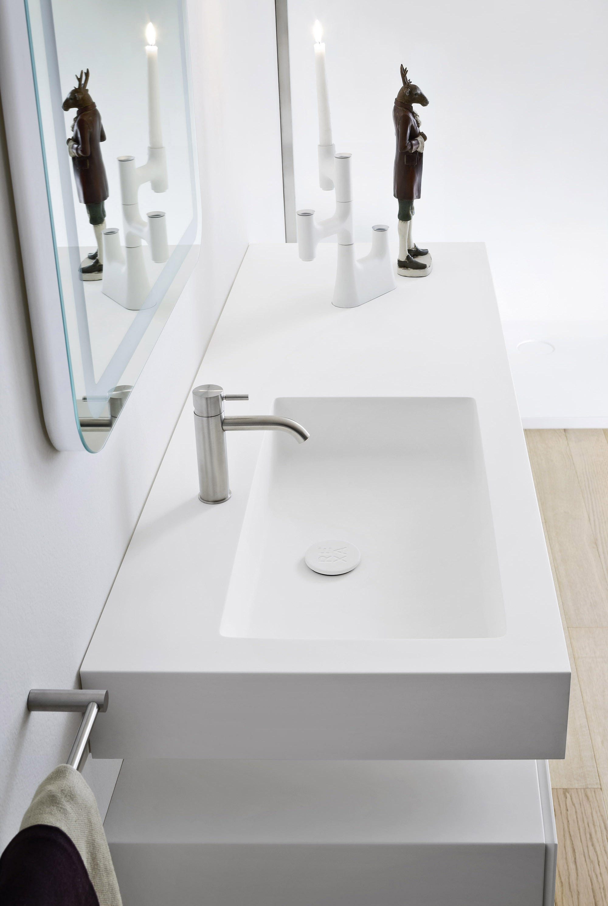 Unico plan avec vasque integr meubles sous lavabo de for Plan vasque design