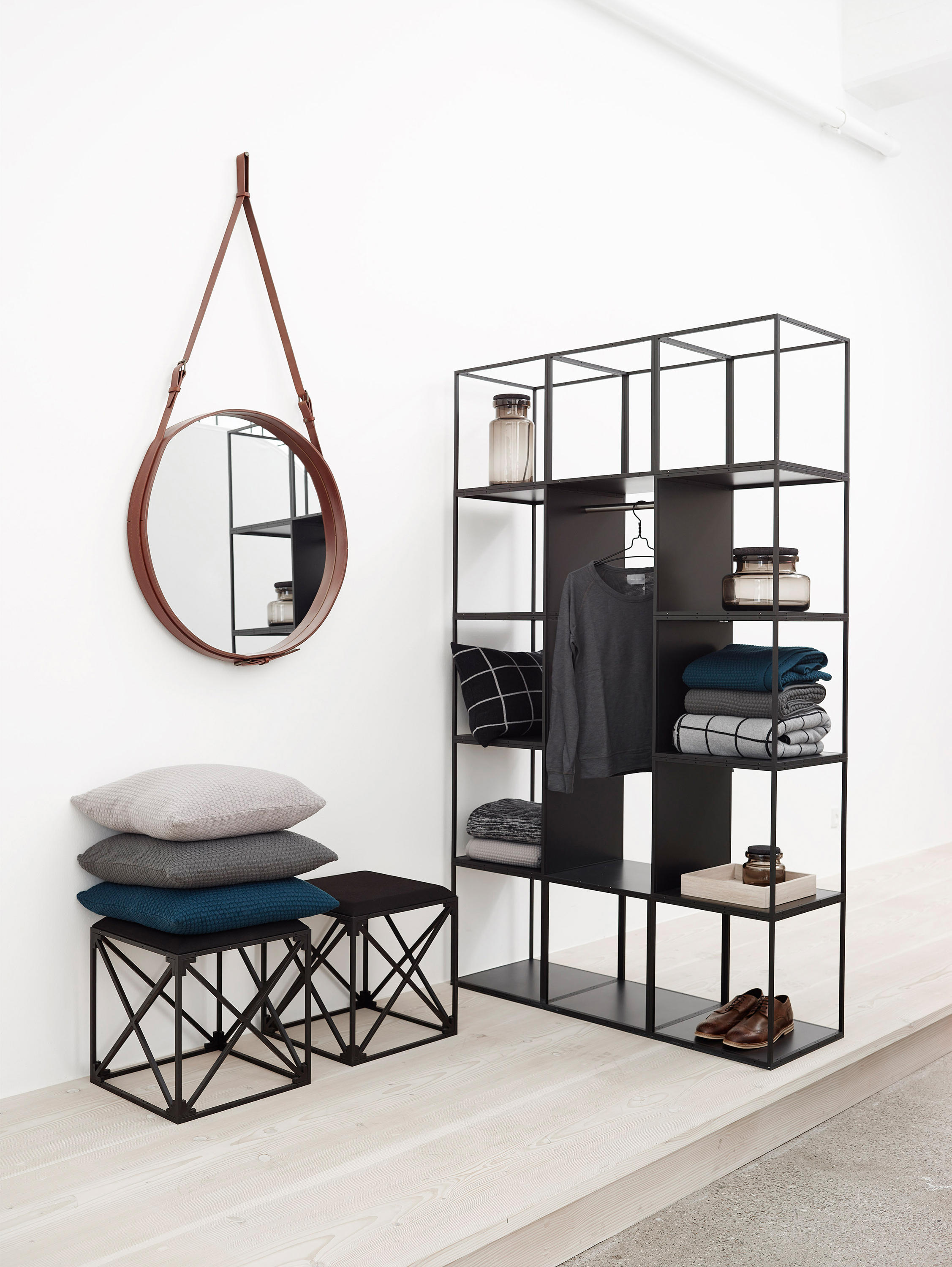 Grid wardrobe lockers from grid system aps architonic for Grid room
