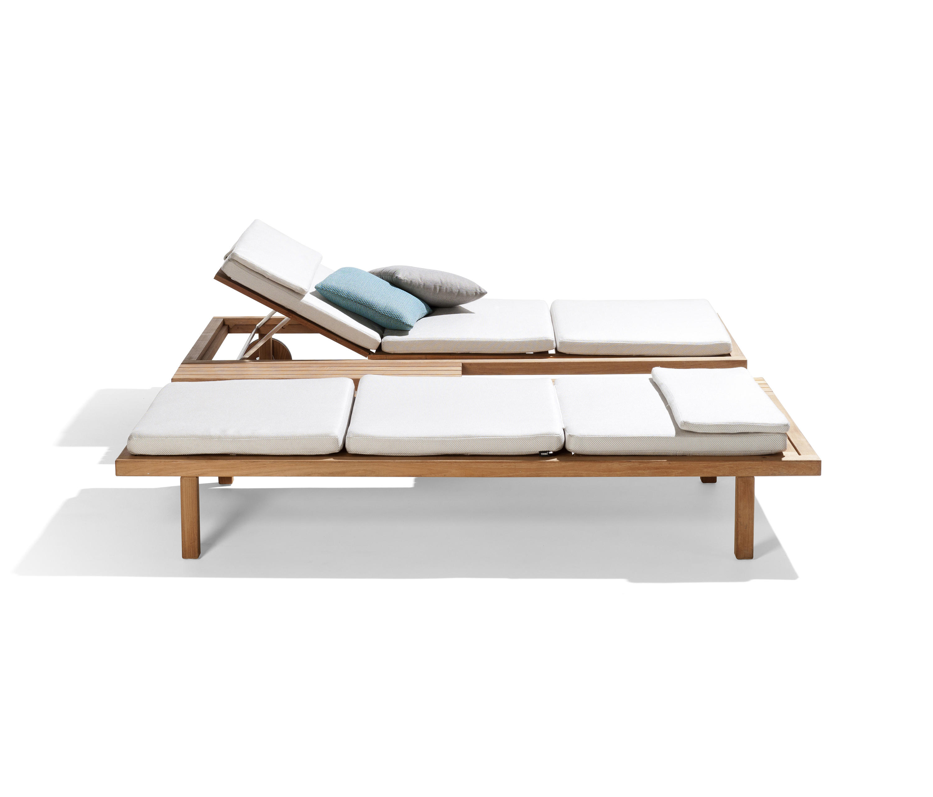 Vis A Vis Lounger Sun Loungers From Tribu Architonic