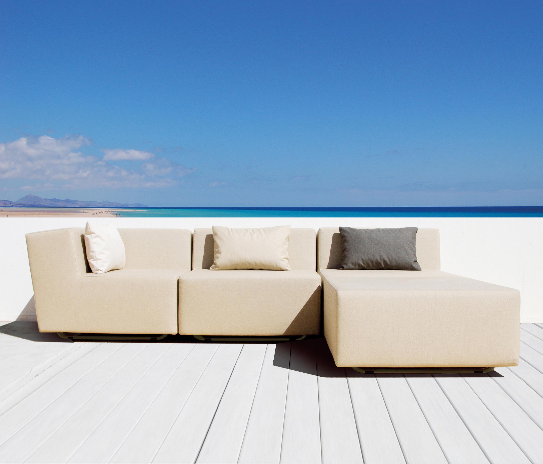 Loopy sofa sofas de jardin de april furniture architonic for Sofas para jardin