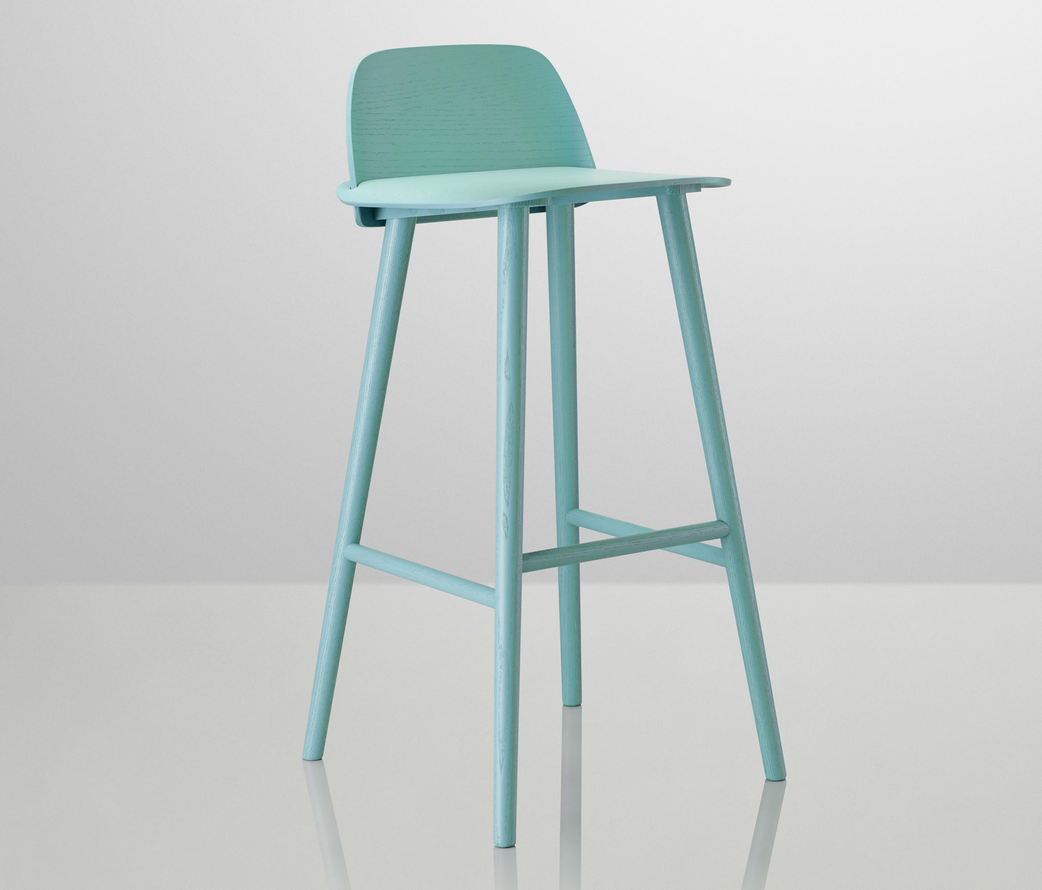 NERD BAR STOOL | HIGH - Bar stools from Muuto | Architonic
