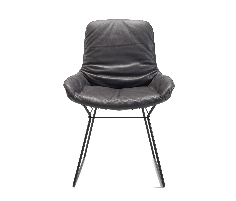 leya stuhl konferenzst hle von freifrau sitzm belmanufaktur architonic. Black Bedroom Furniture Sets. Home Design Ideas