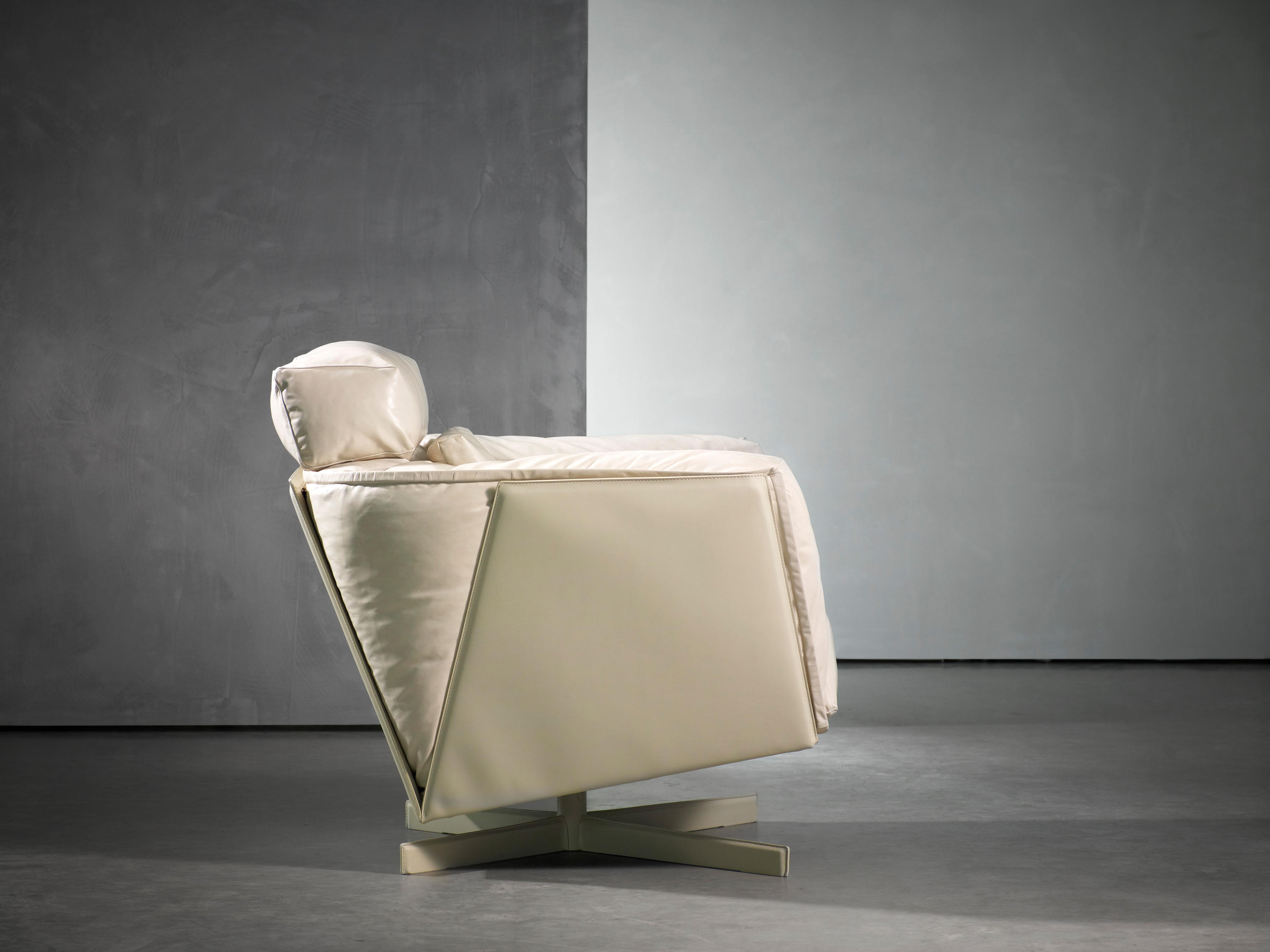 heit swivel chair armchairs from piet boon architonic
