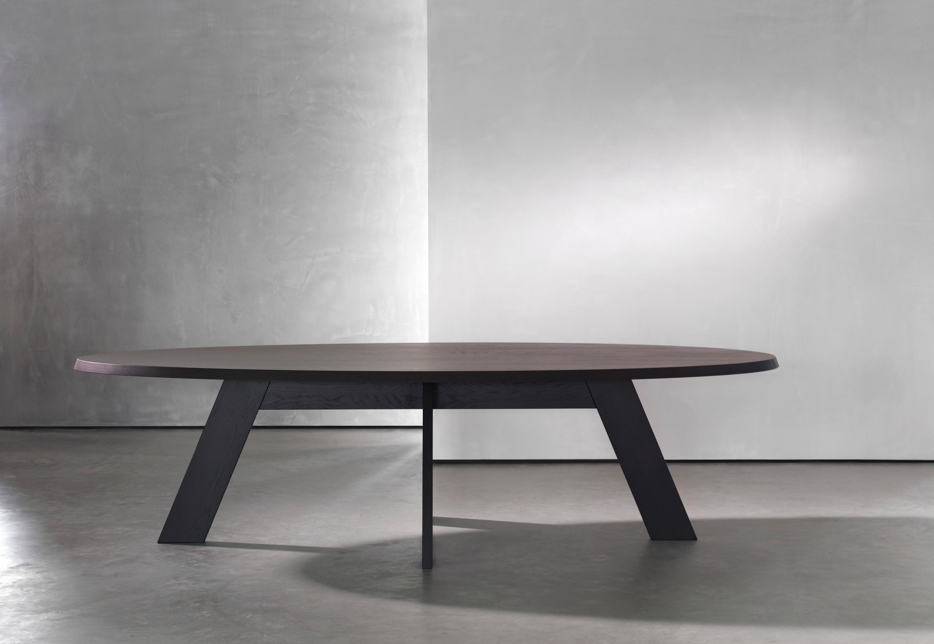 Ids Table Oval Dining Tables From Piet Boon Architonic