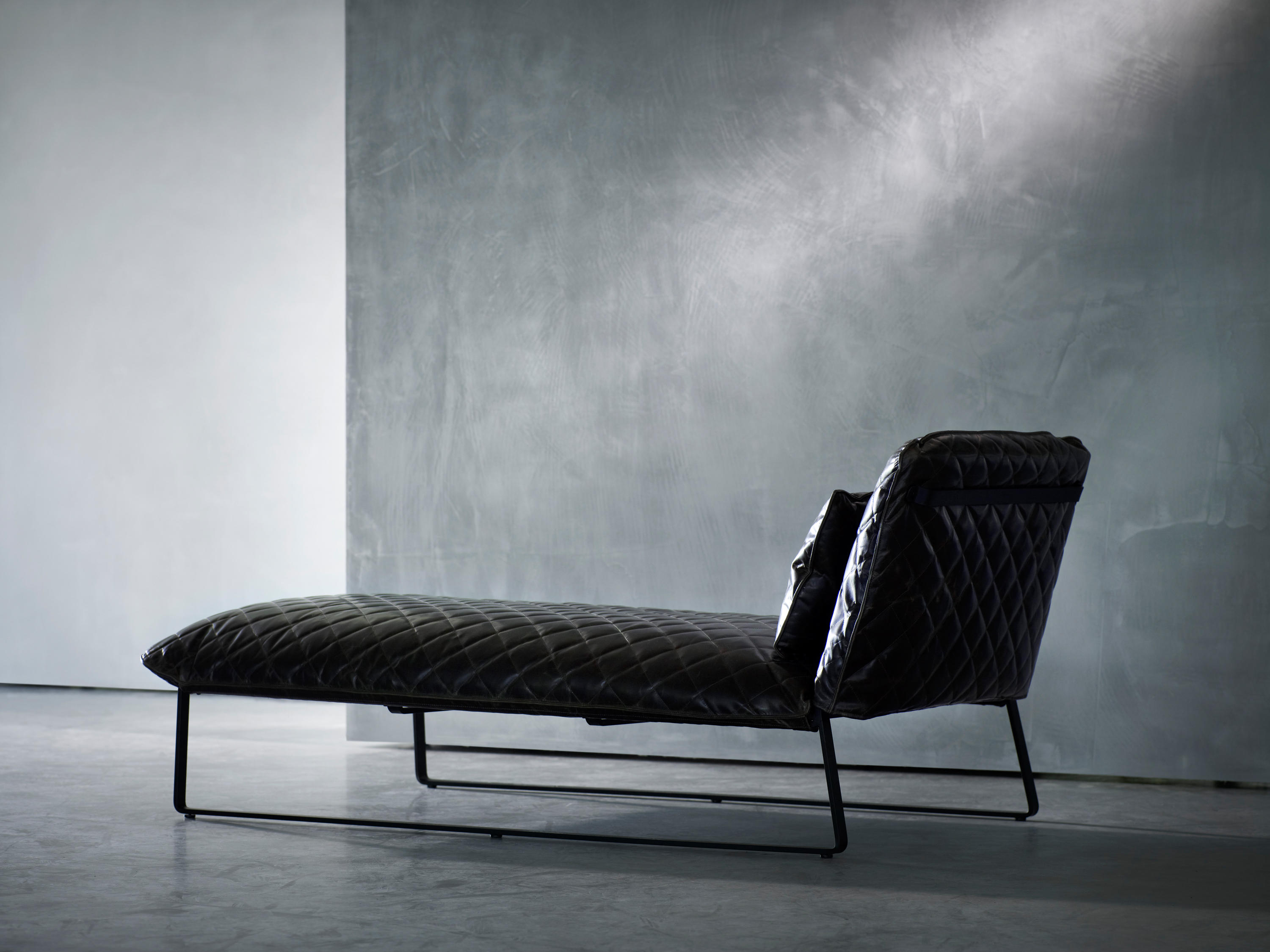 Kekke chaise longue chaise longues from piet boon for Chaise longue manufacturers