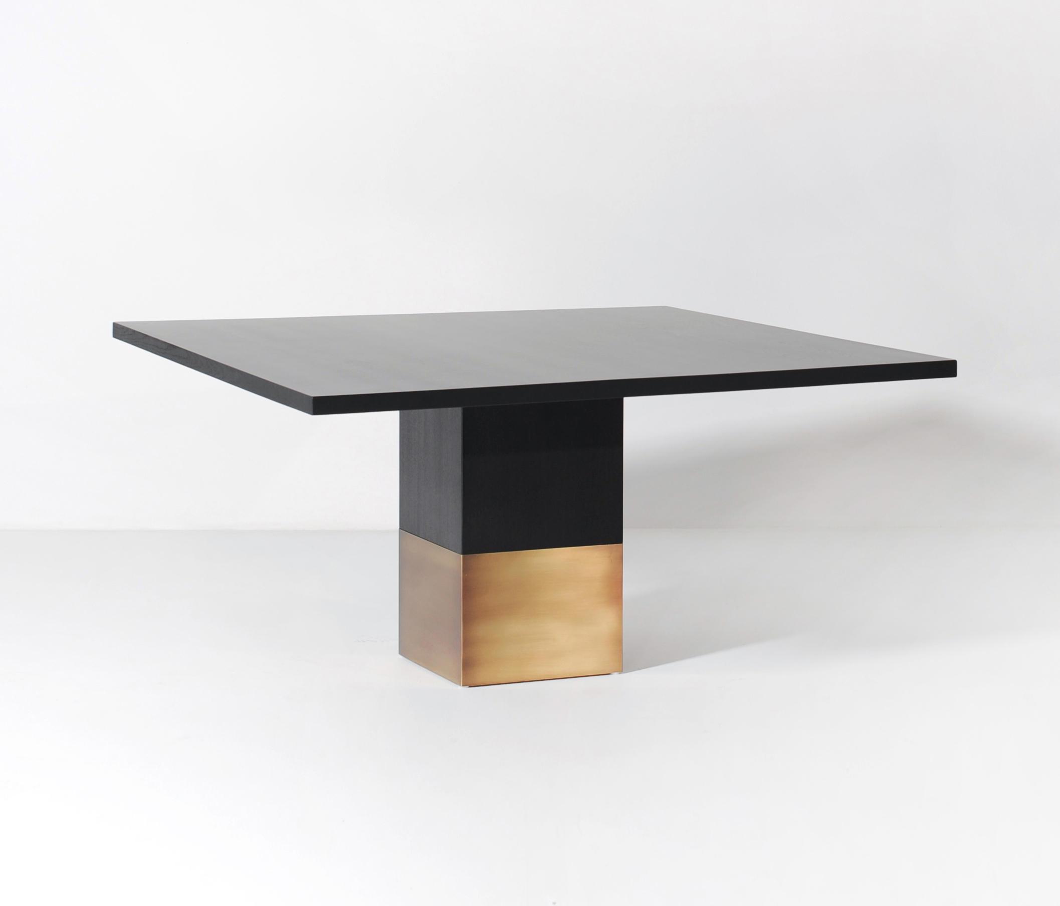nota bene dining table square dining tables from van rossum architonic. Black Bedroom Furniture Sets. Home Design Ideas