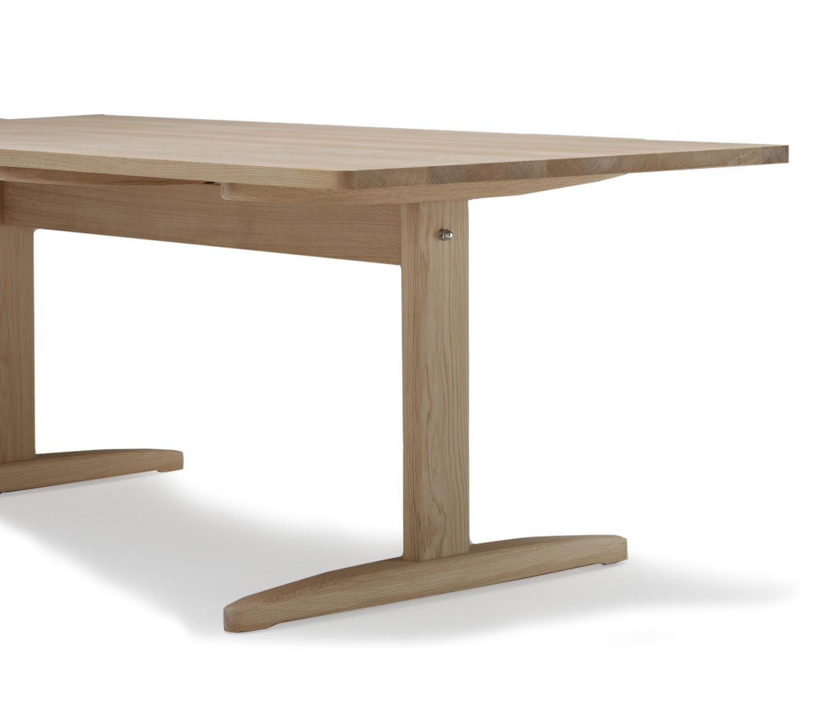 Shaker table restaurant tables from dk3 architonic for Table table table