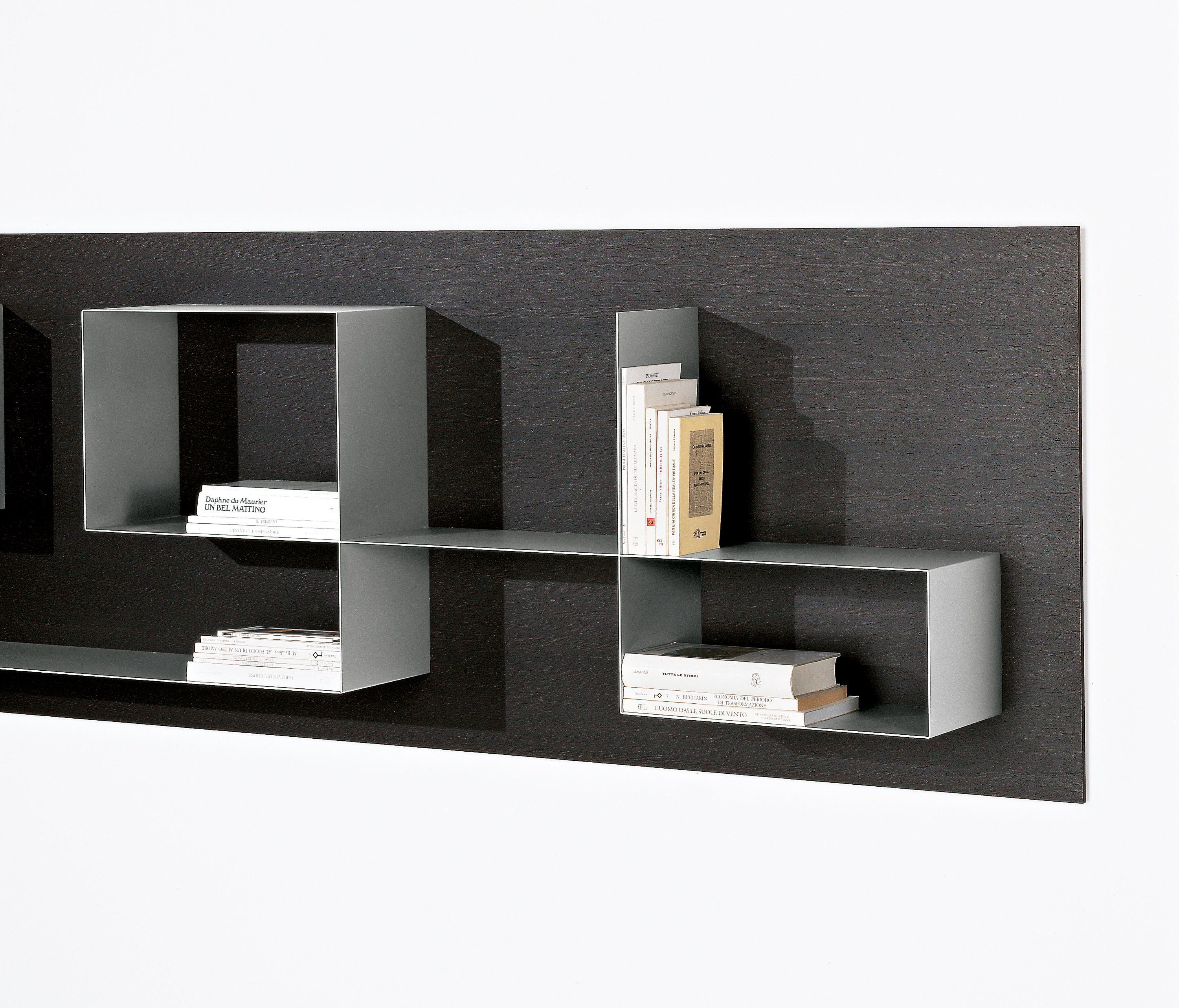 Square wall shelves from tisettanta architonic for Mensole lago outlet