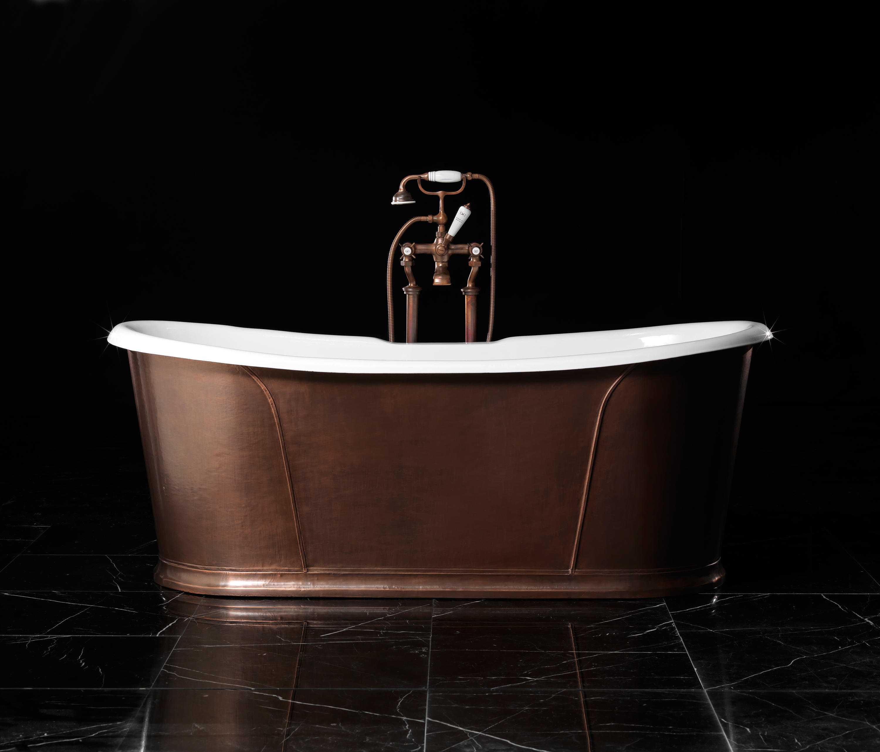 camelot antique copper bathtub free standing baths from. Black Bedroom Furniture Sets. Home Design Ideas