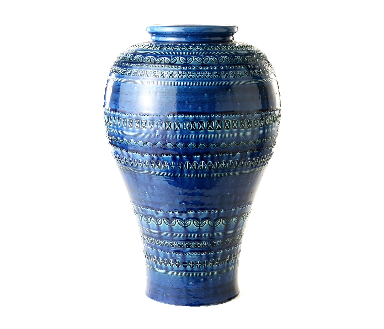 Rimini blu vaso vases from bitossi ceramiche architonic for Vaso blu