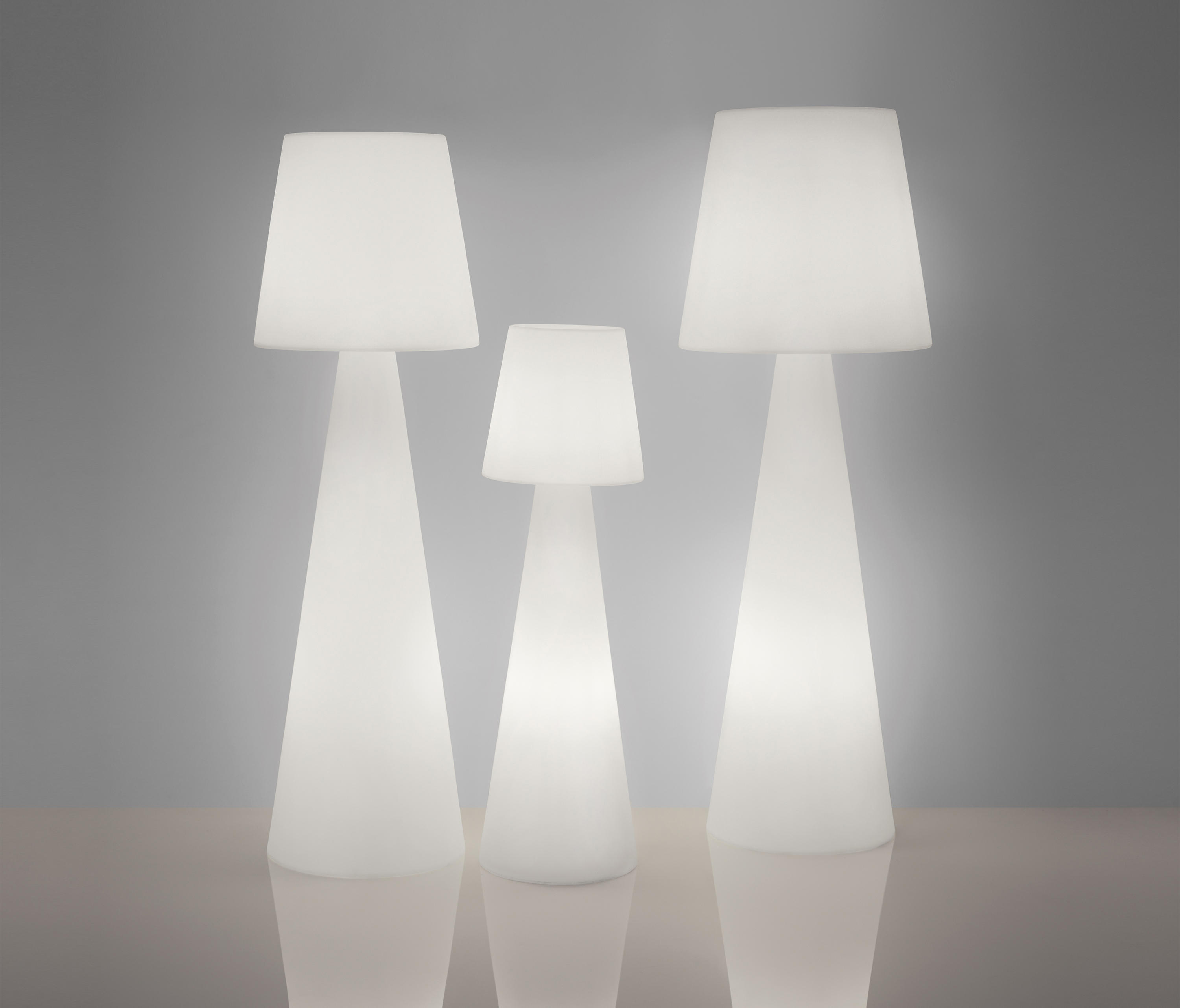 Free Standing Lights Material Plastic High Quality Designer Free
