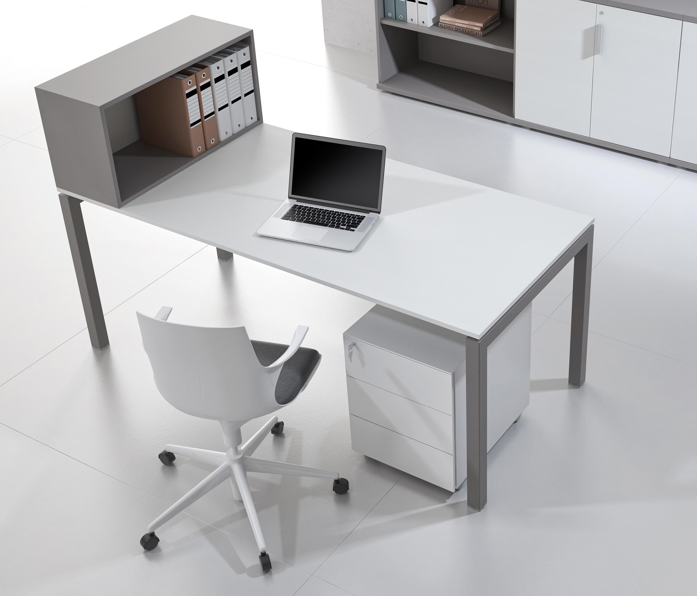 Italo escritorios individuales de alea architonic for Escritorios para disenadores