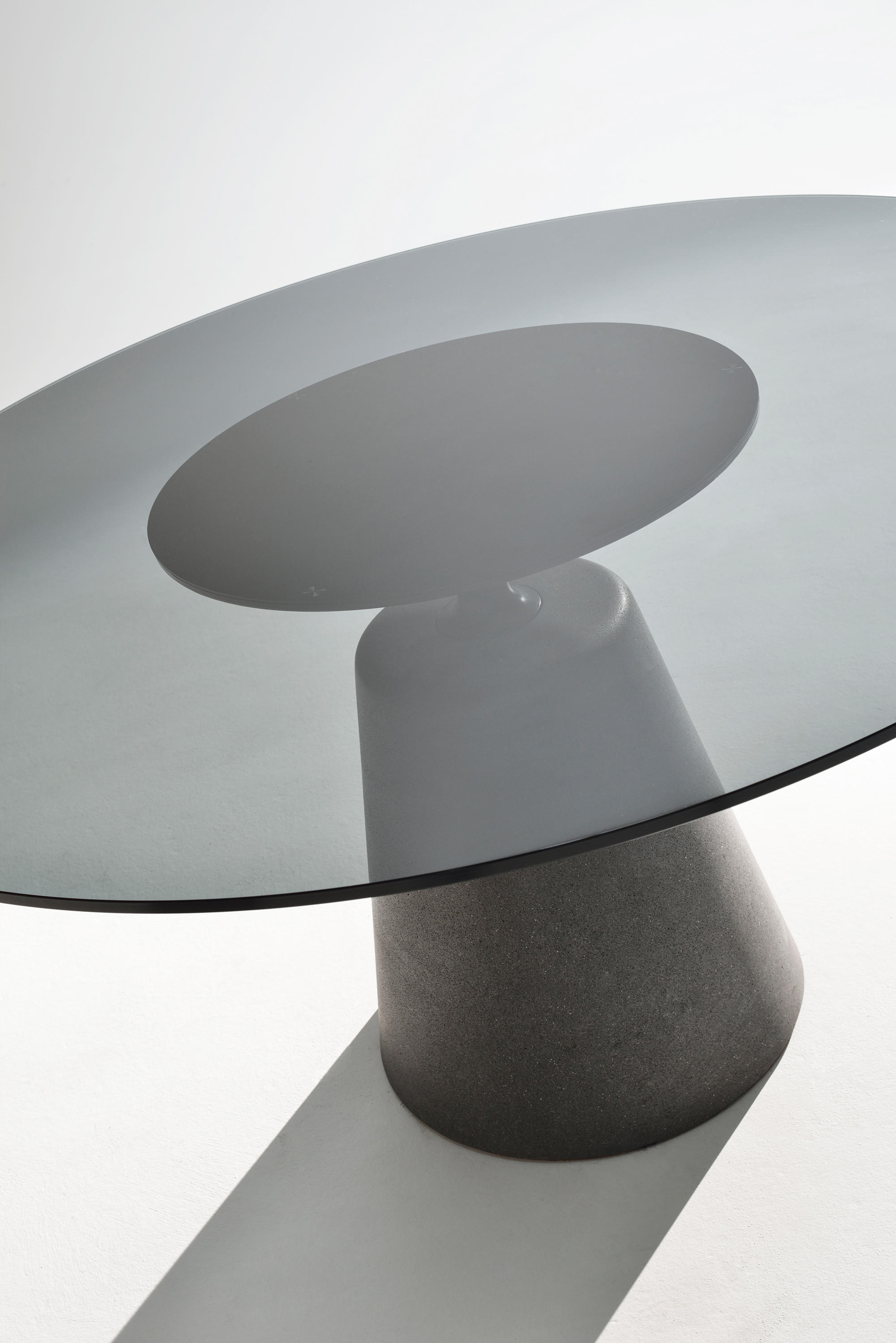 ROCK TABLE Restaurant tables from MDF Italia
