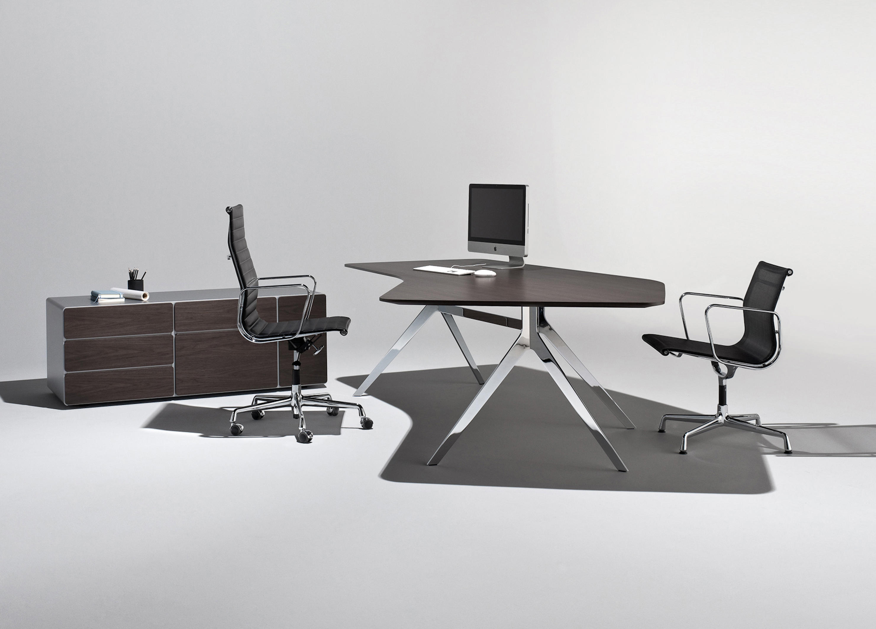 star office table executive desks from renz architonic. Black Bedroom Furniture Sets. Home Design Ideas