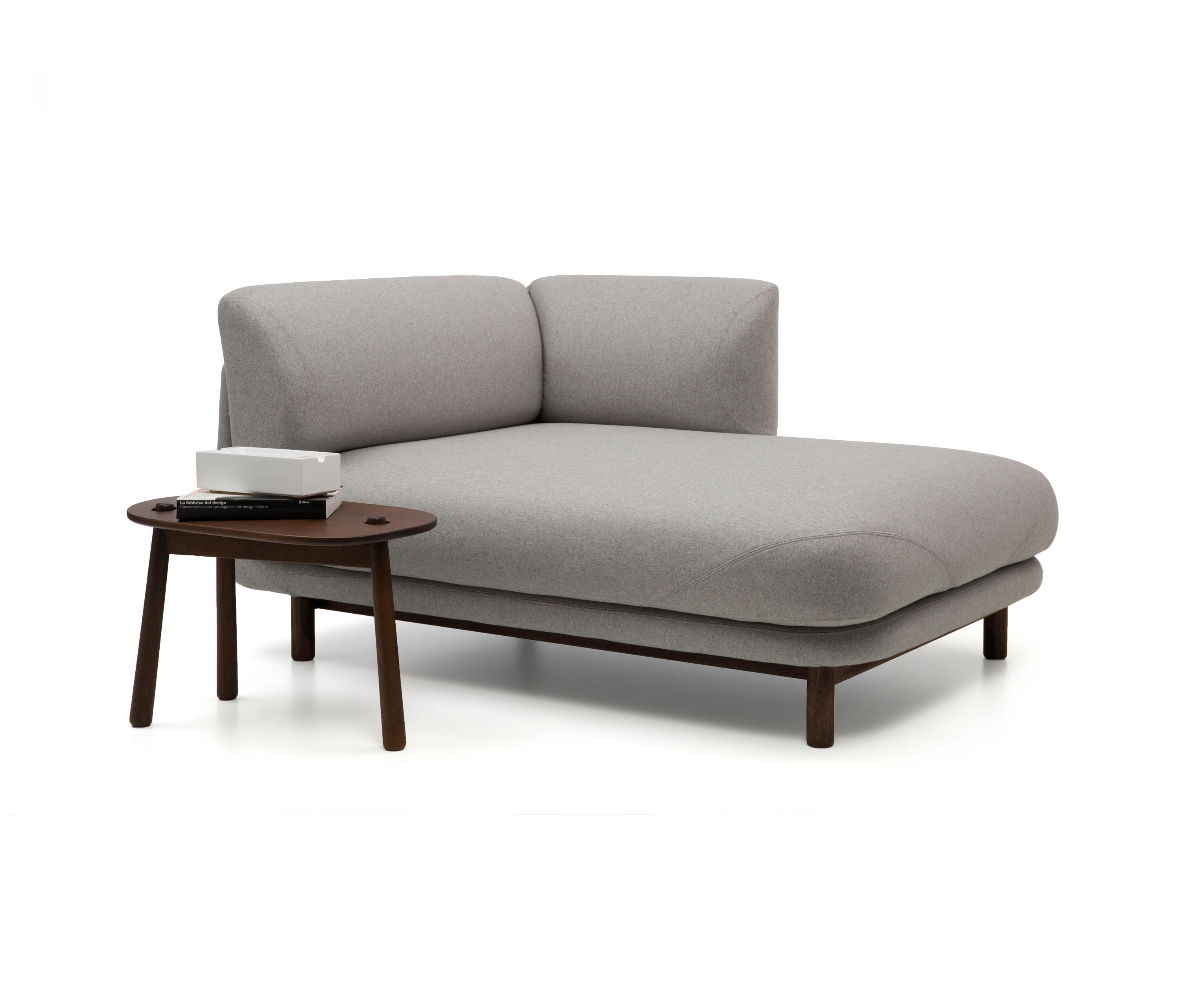 Peg chaise longue chaise longues from cappellini for Chaise longue manufacturers