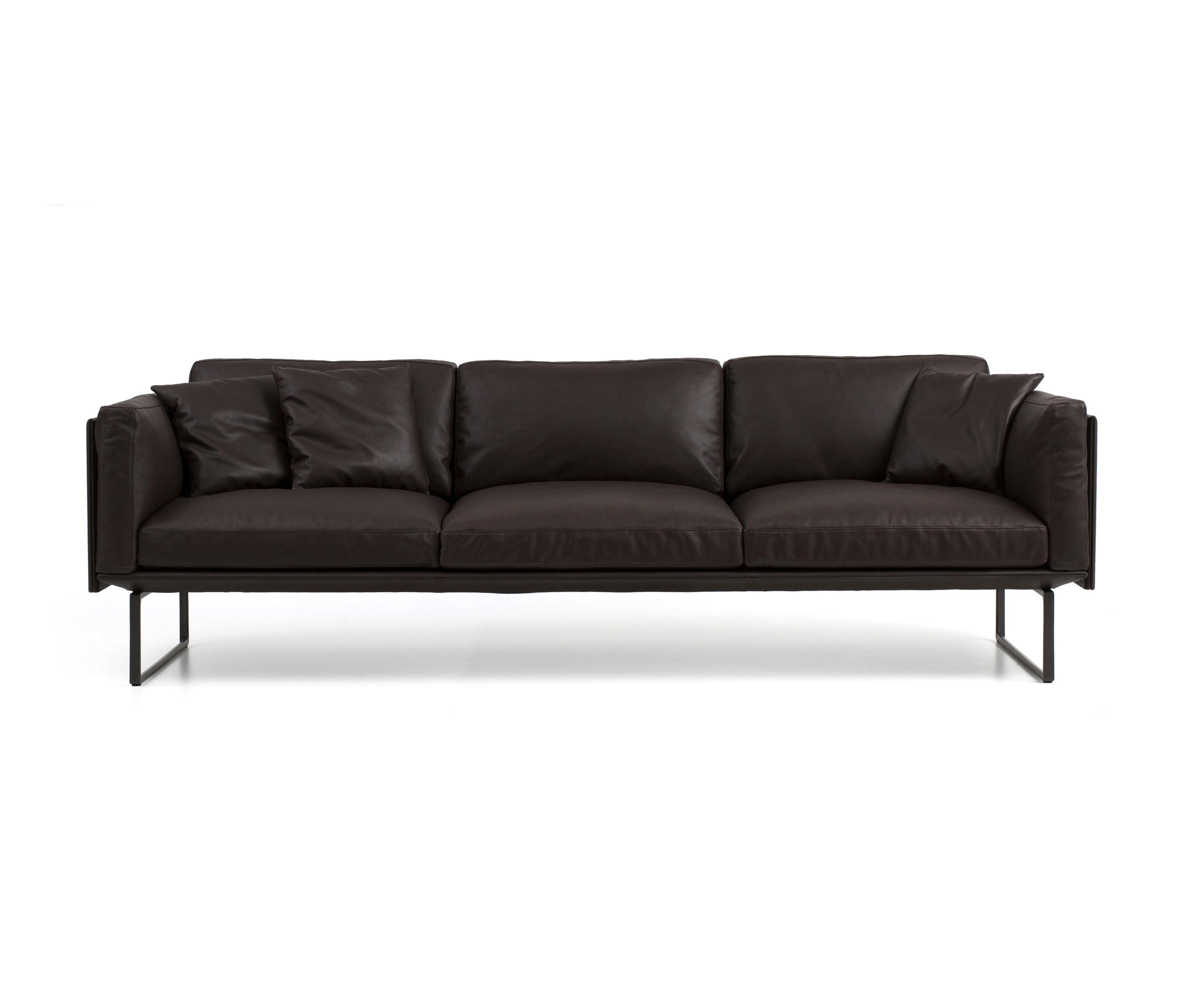 202 8 lounge sofas from cassina architonic for Sofa 8 cassina