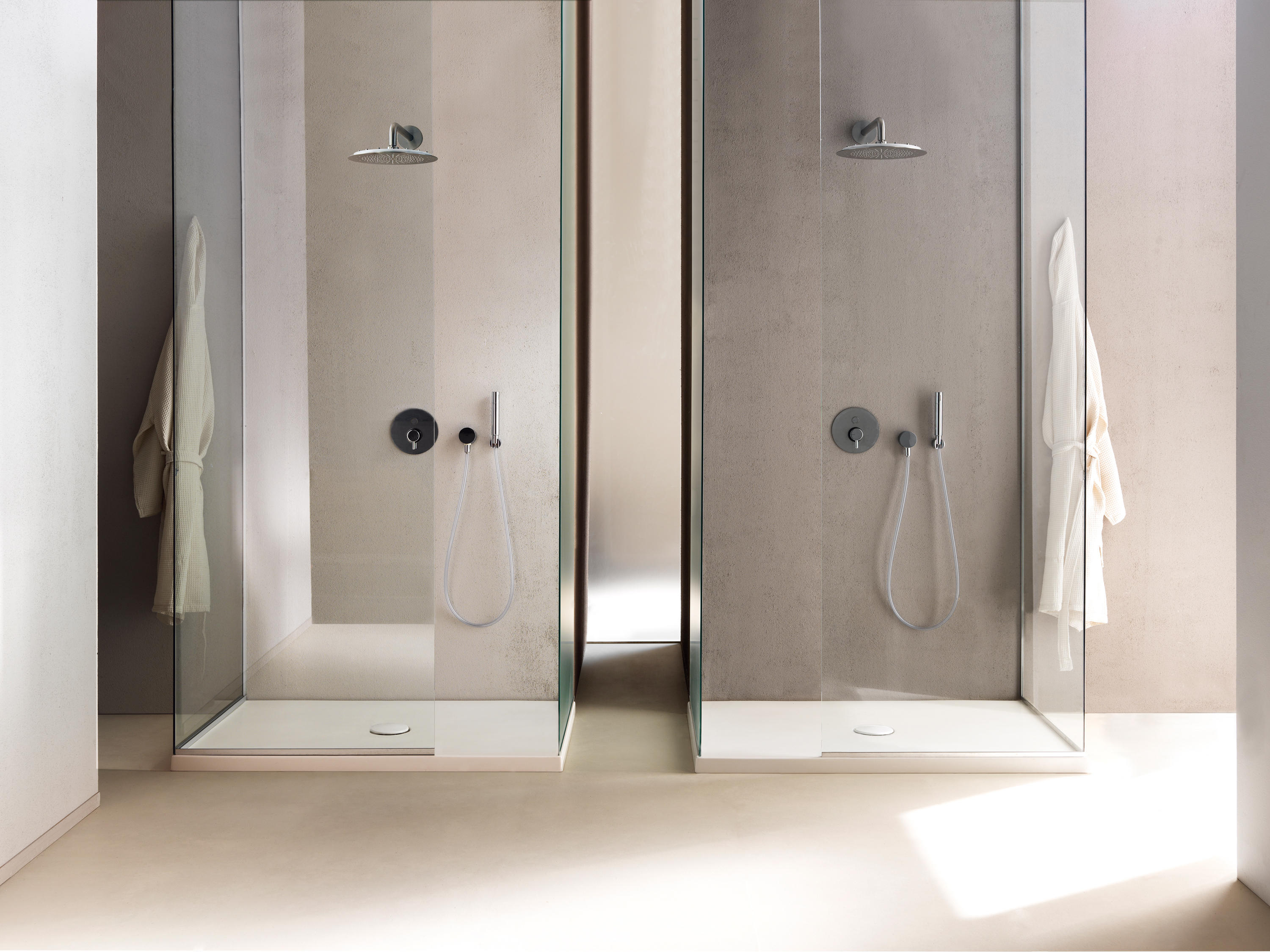 The shower world collezione cinquanta platos de ducha for Piatto doccia cielo