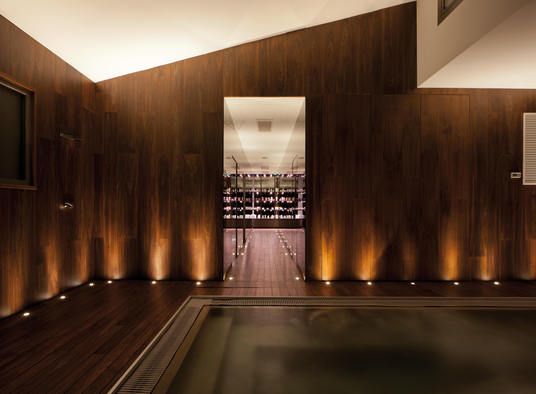 Parklex walls and ceilings wet internal walnut wall for Afbeeldingen interieur