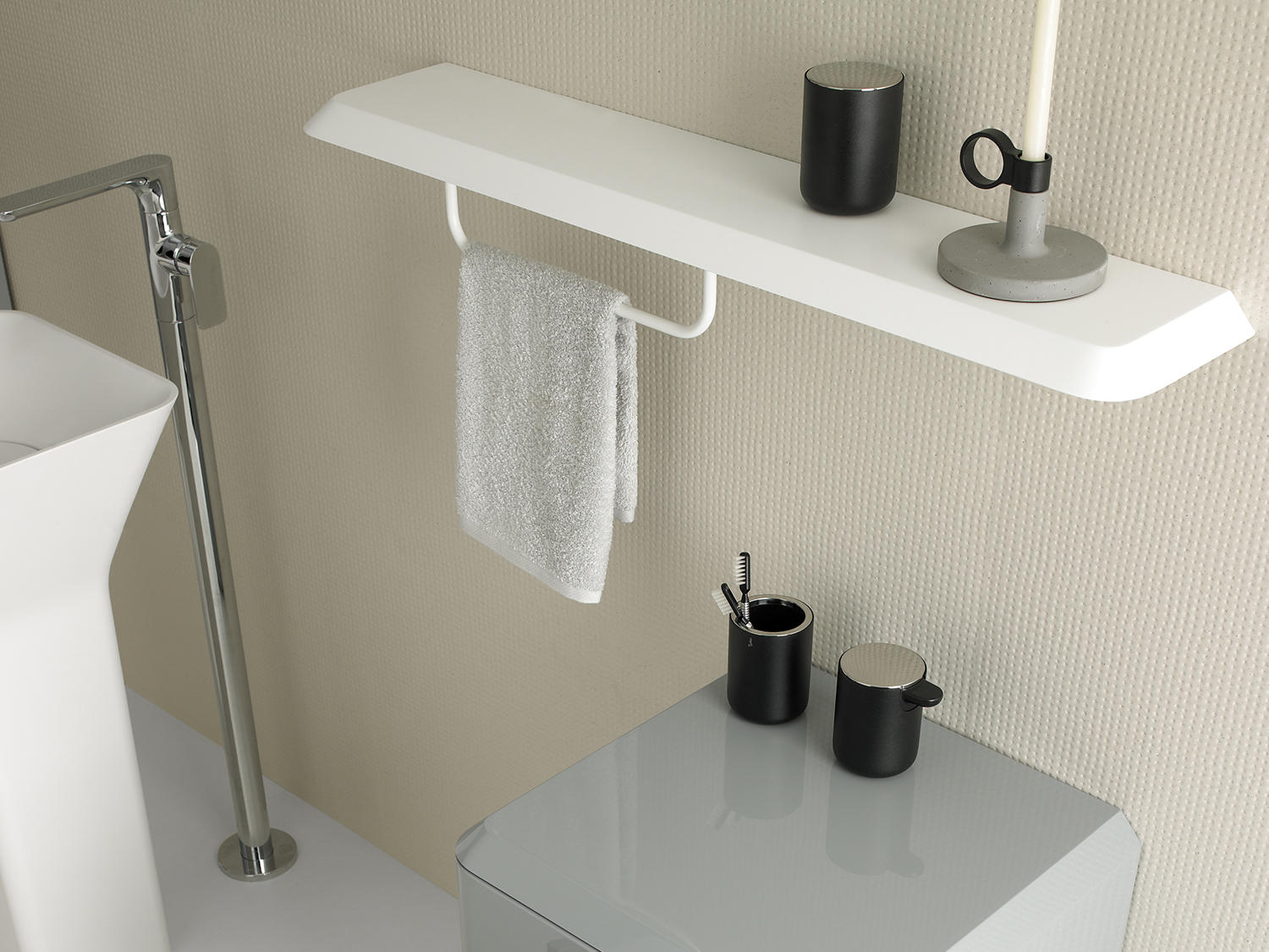Fluent towel rack towel rails from inbani architonic - Planner bagno 3d ...