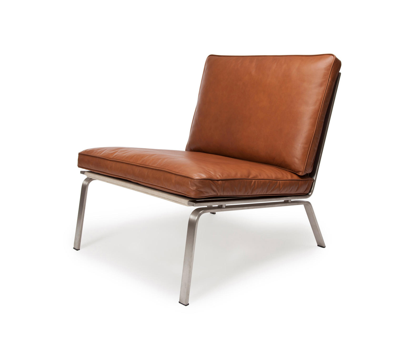 Man Lounge Chair: Vintage Leather Cognac 21000 By NORR11 | Lounge Chairs ...