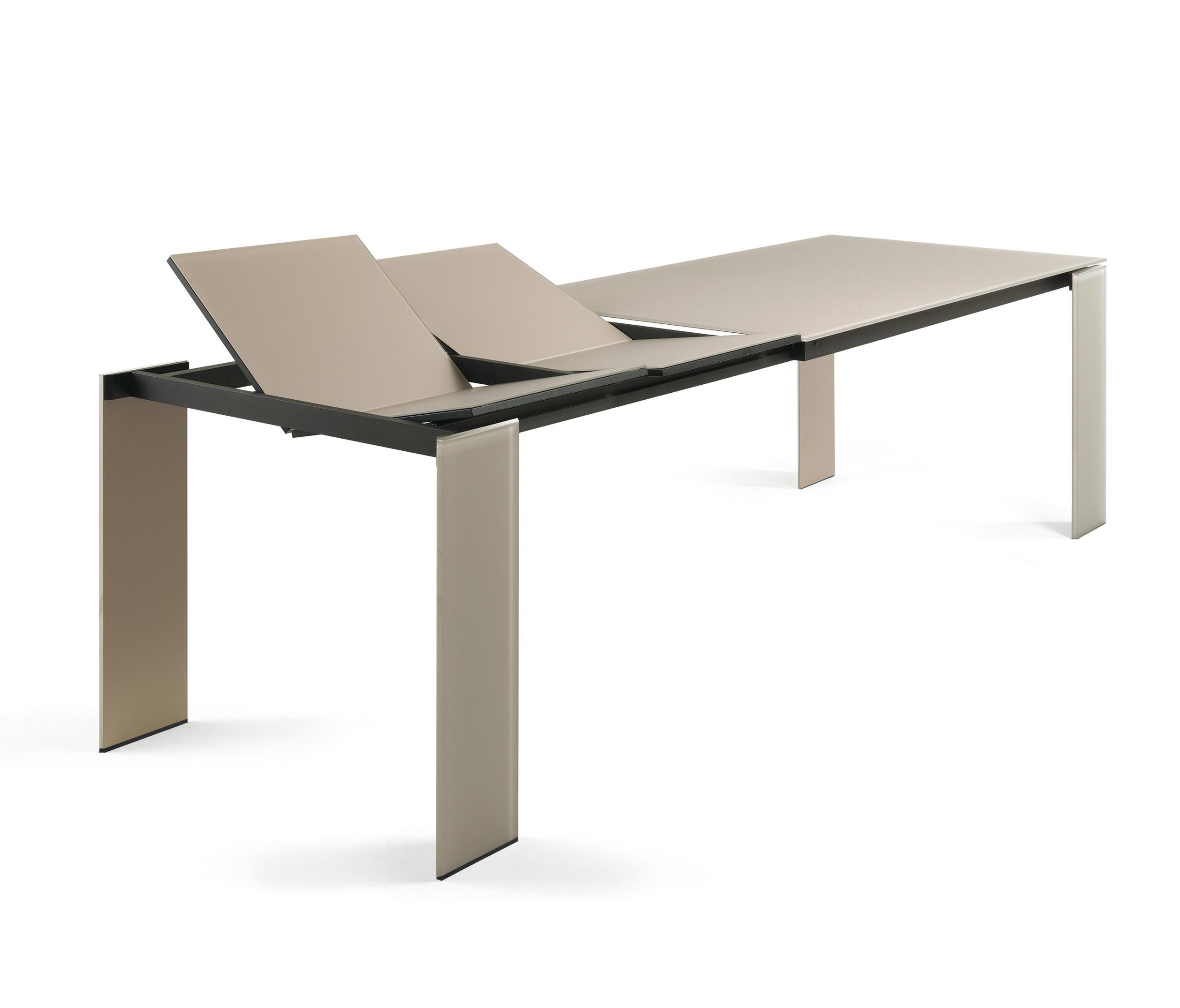Slide 72 100 tavoli da pranzo reflex architonic for Produttori tavoli
