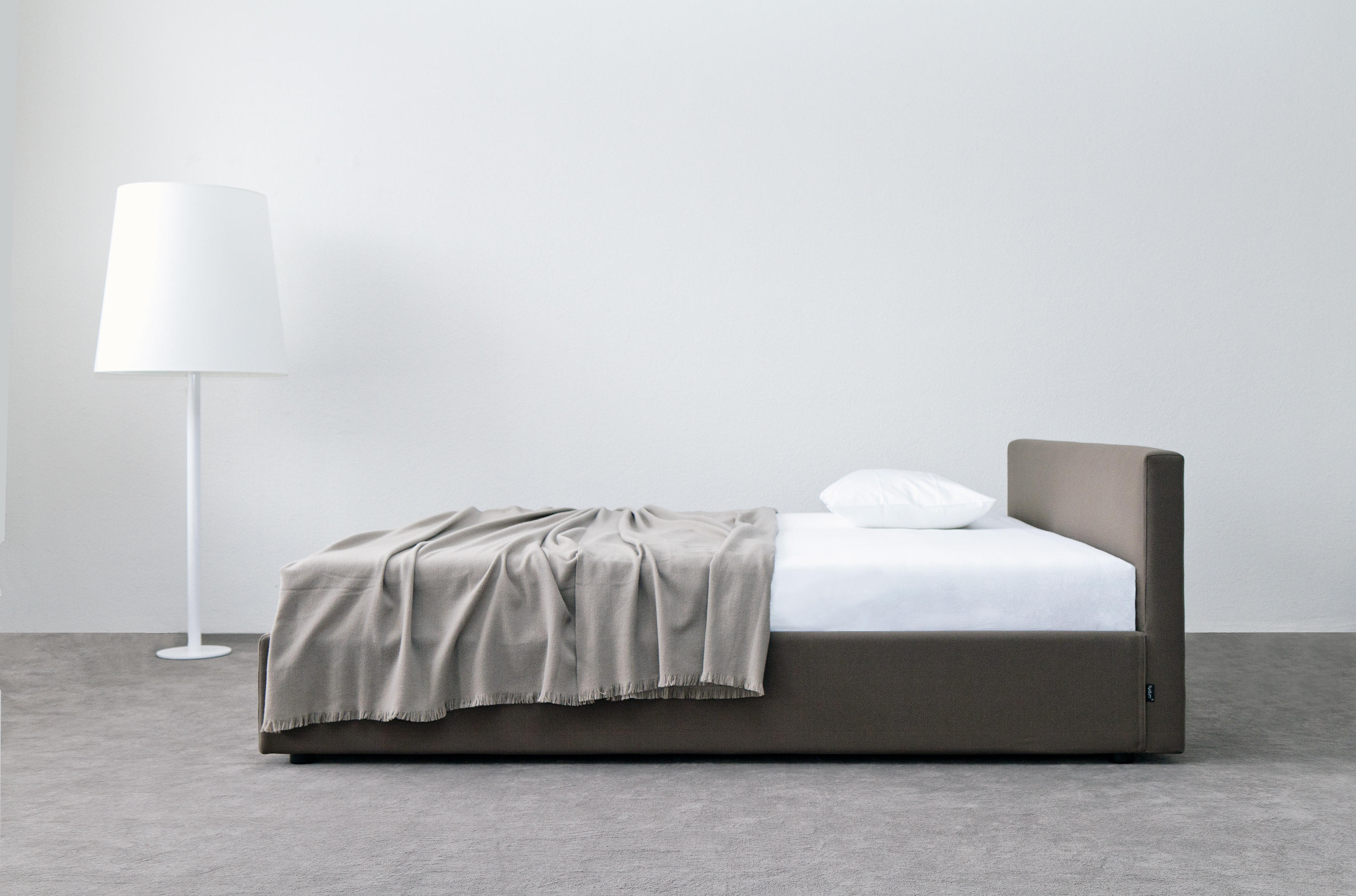 Captivating Earl By Atelier Alinea | Double Beds ...