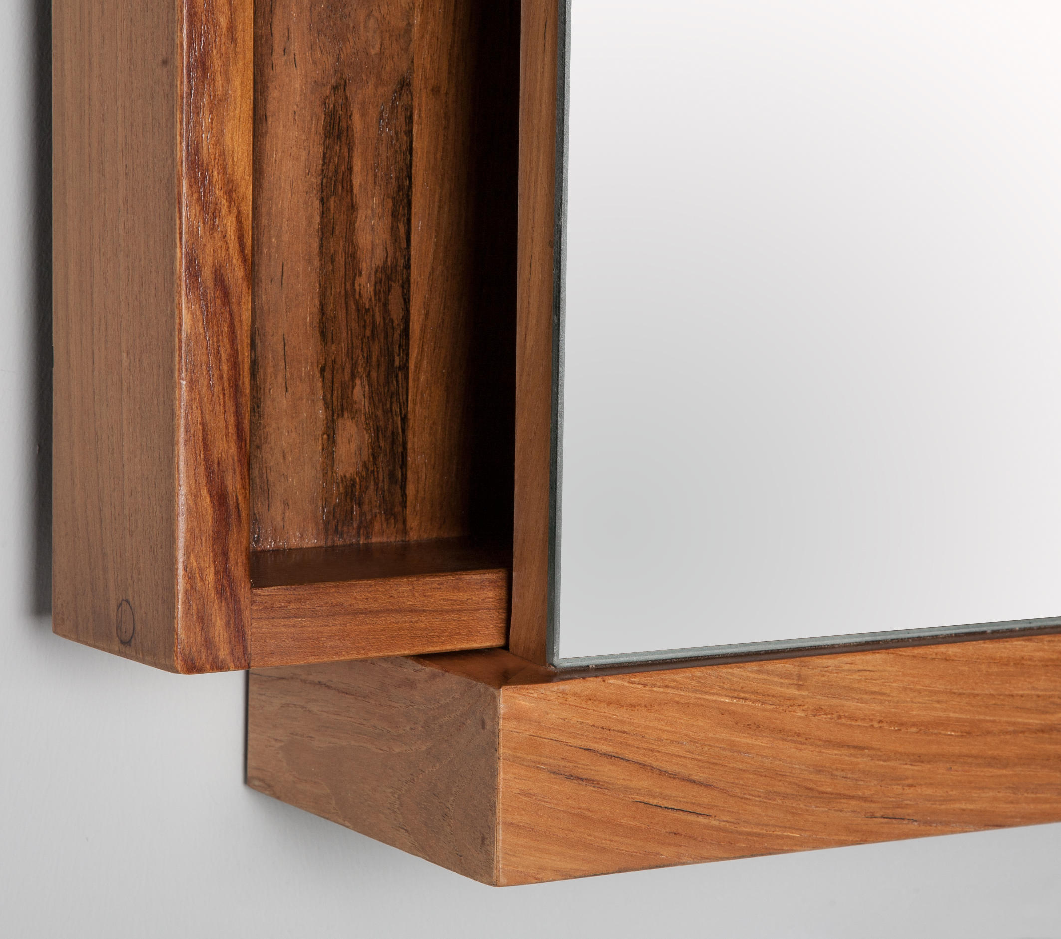 Square mirror cabinet mirror cabinets from ethnicraft for Armoire toilette
