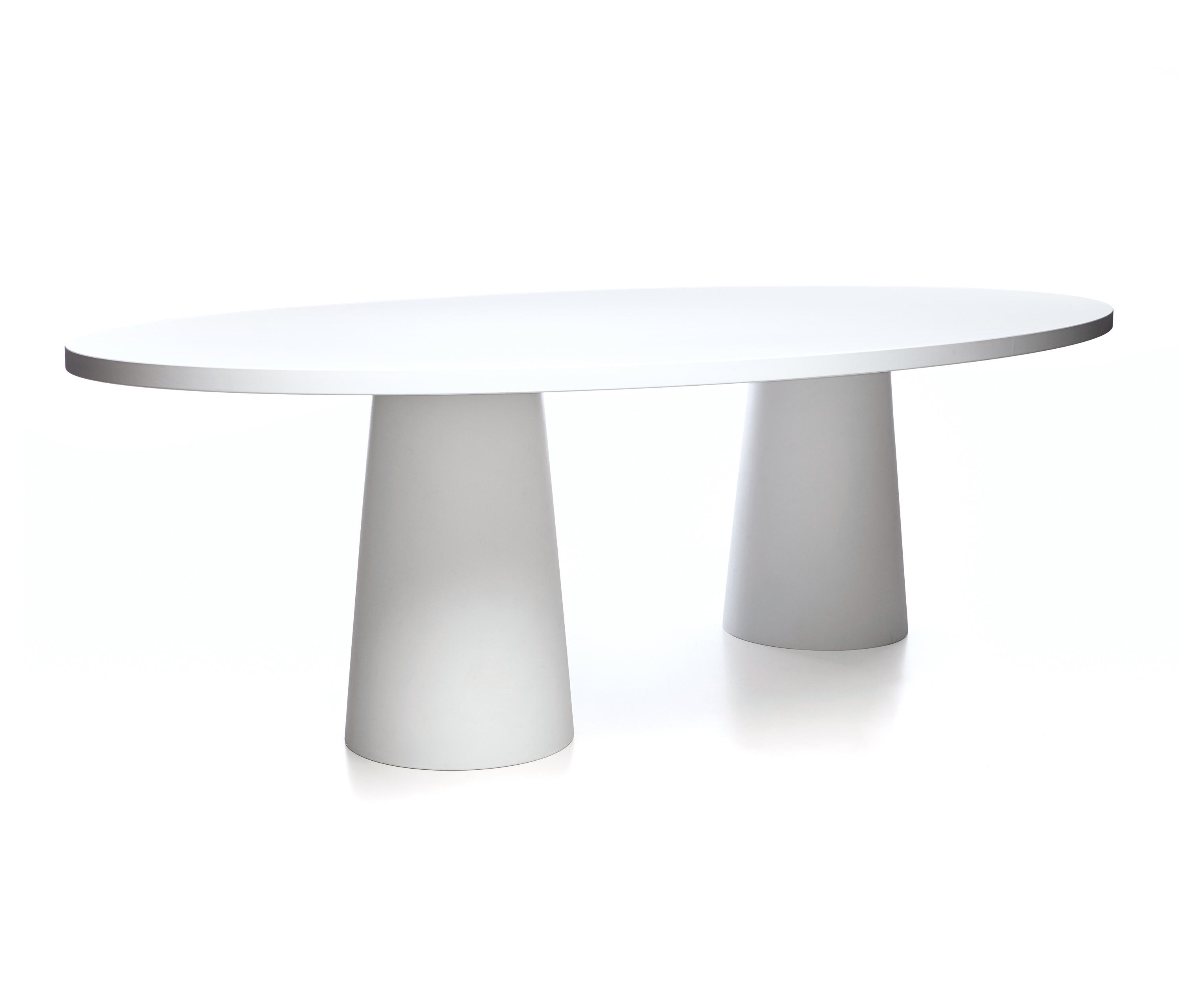 ... Container Oval 260 By Moooi | Dining Tables ...