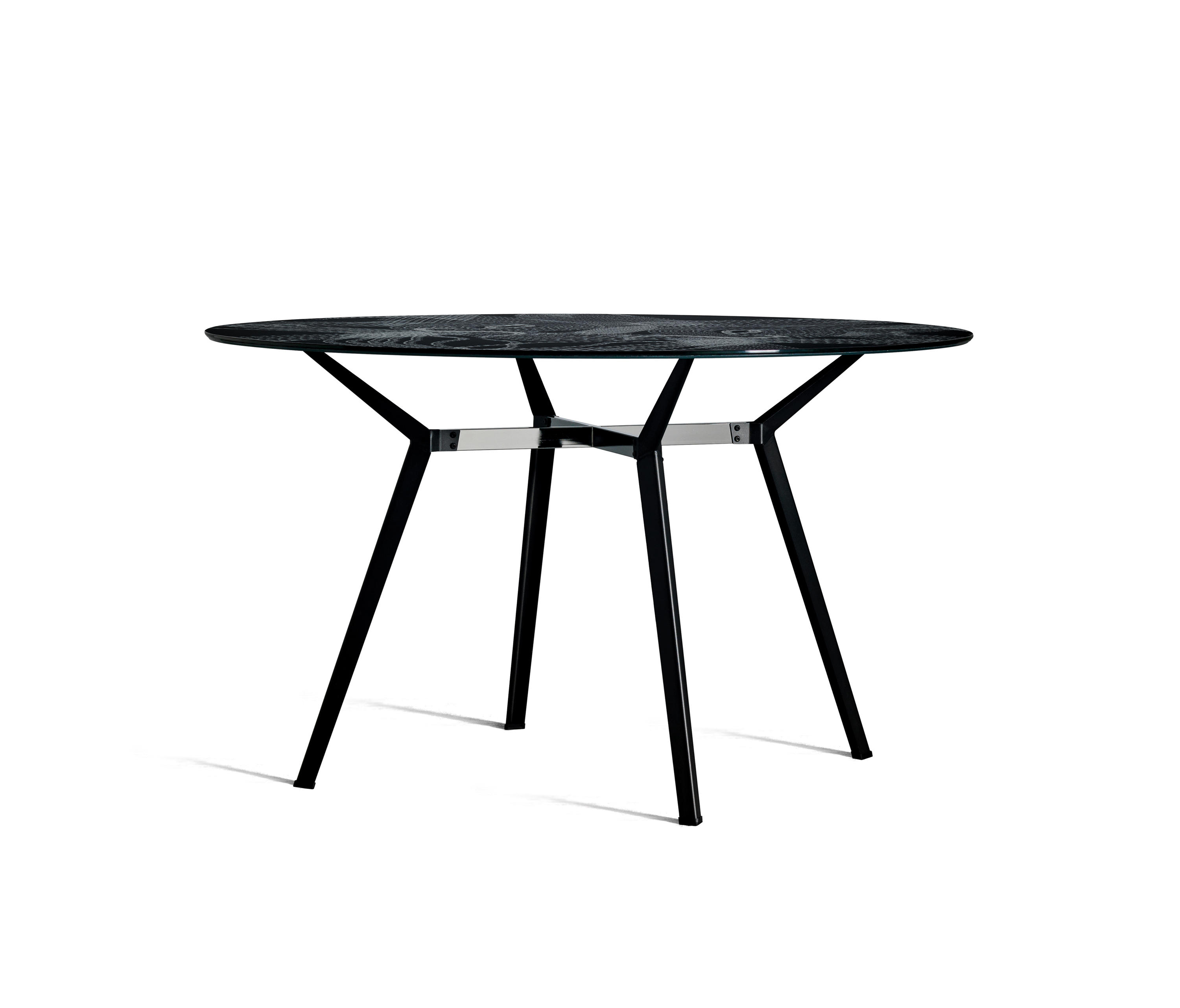PYLON - Dining tables from Diesel by Moroso | Architonic
