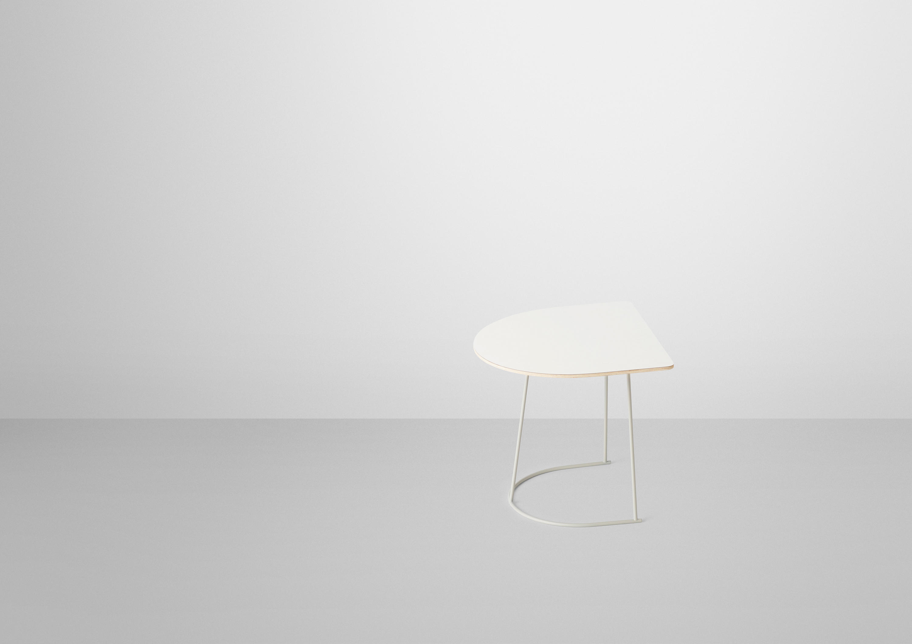 AIRY COFFEE TABLE HALF SIZE Side tables from Muuto