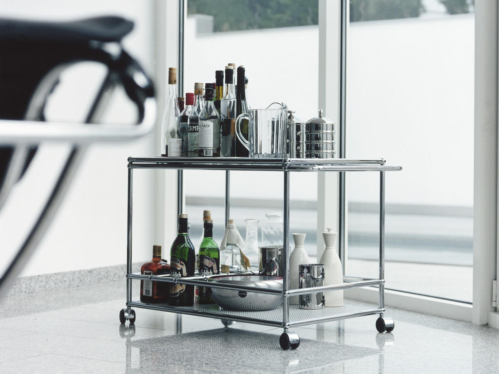 usm haller serving cart tea trolleys bar trolleys from usm architonic. Black Bedroom Furniture Sets. Home Design Ideas
