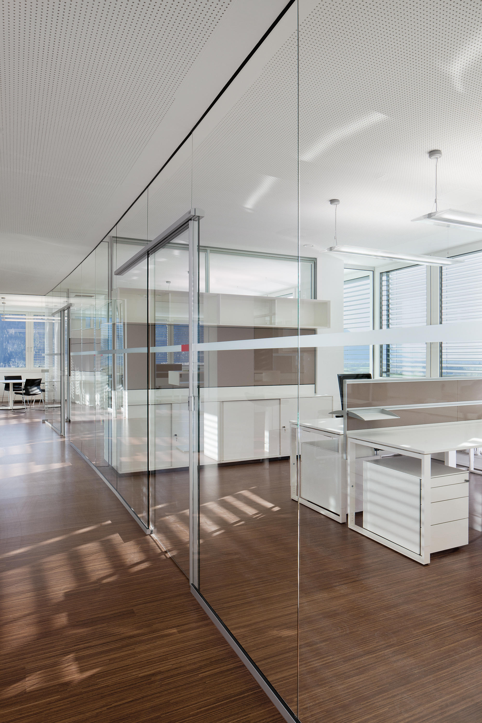 Rg Solid Glass Wall Office Pods From Bene Architonic
