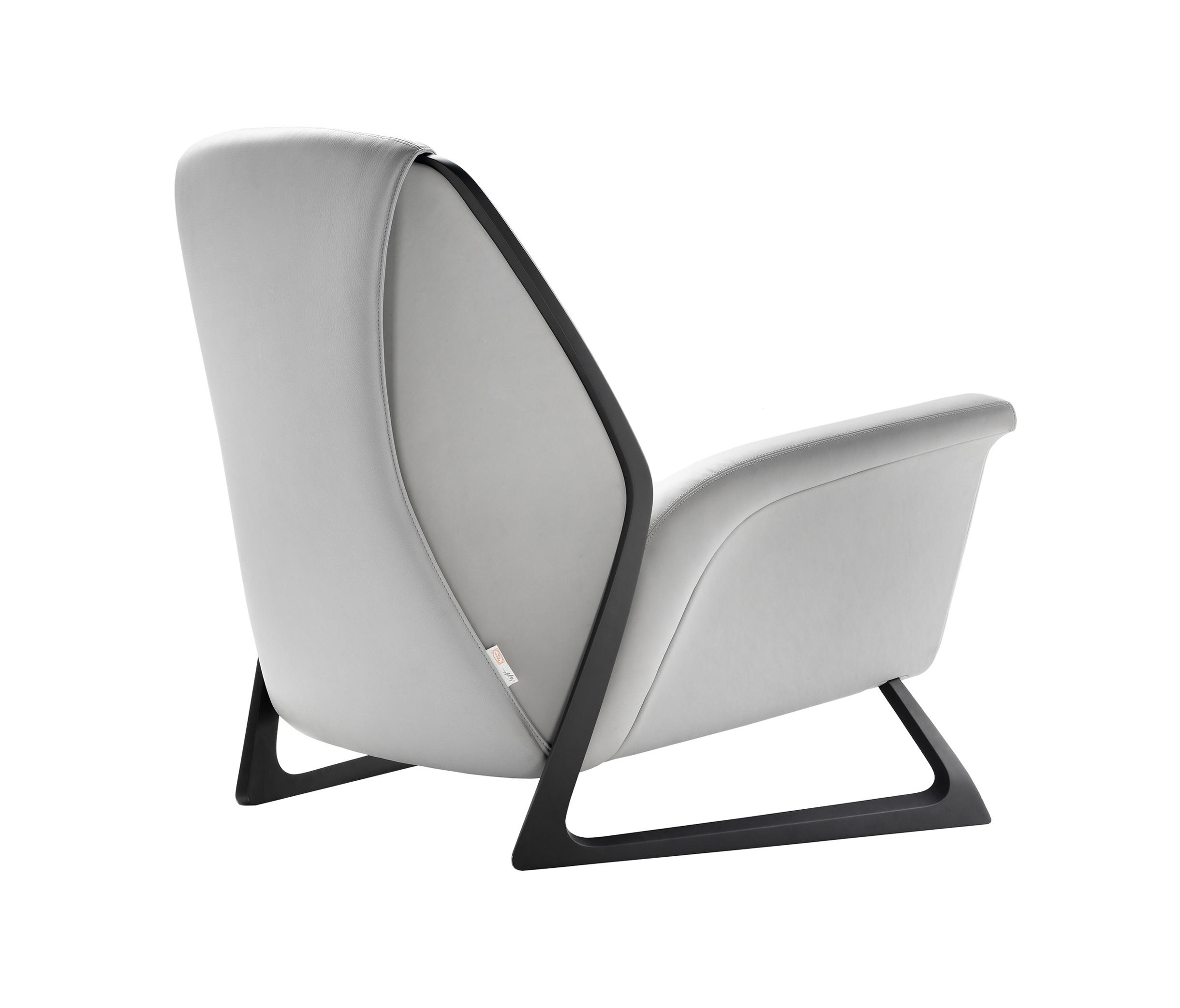 luft lounge chairs from poltrona frau architonic. Black Bedroom Furniture Sets. Home Design Ideas