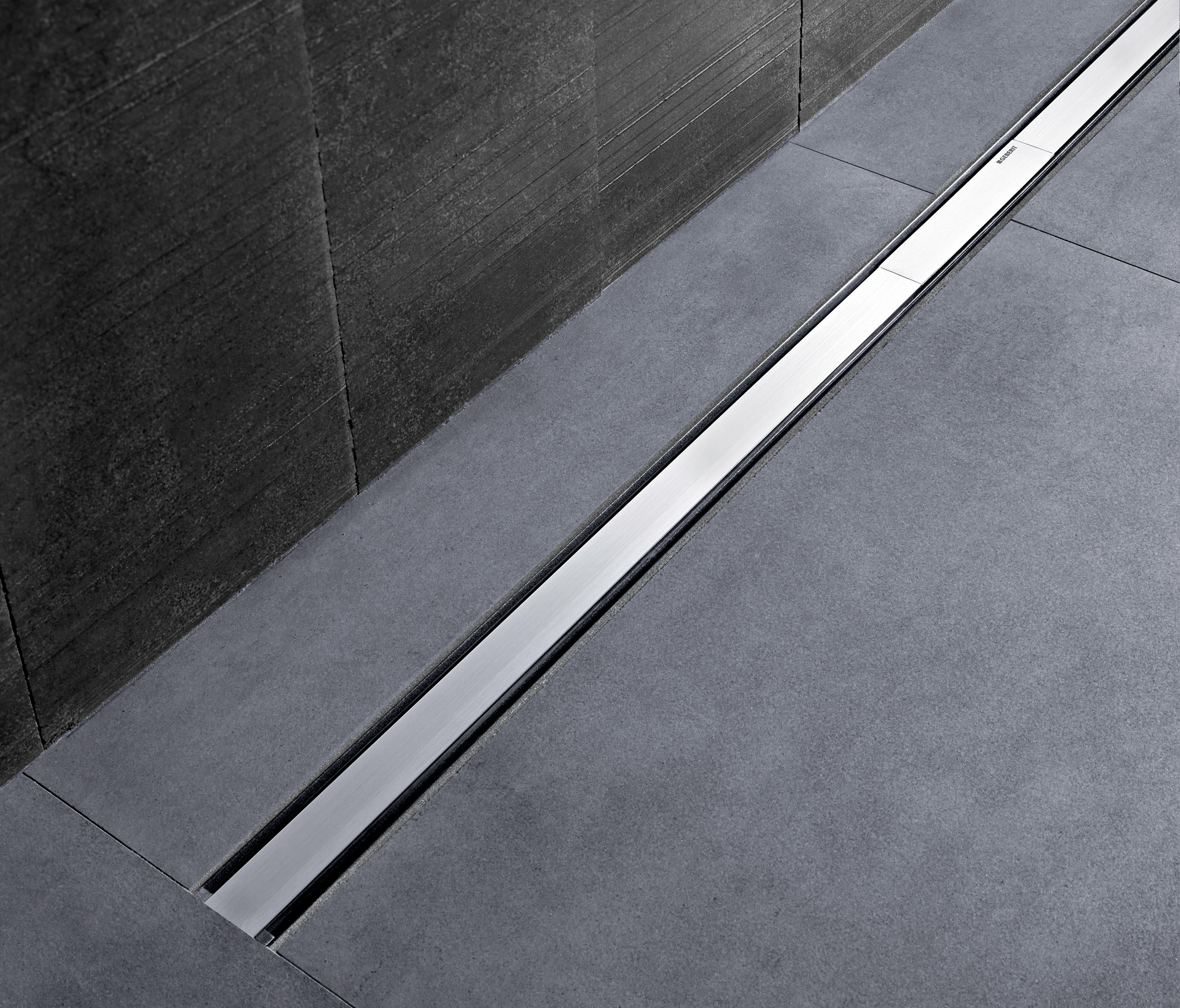 Geberit shower channels cleanline linear drains from geberit architonic - Bodenablauf einfliesen ...