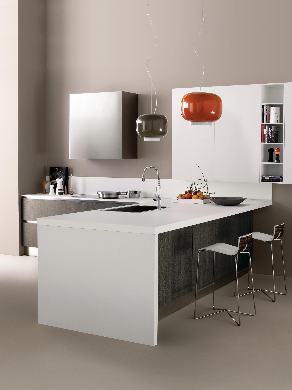 Space cucina cucine a parete ged arredamenti srl for Profili arredamenti