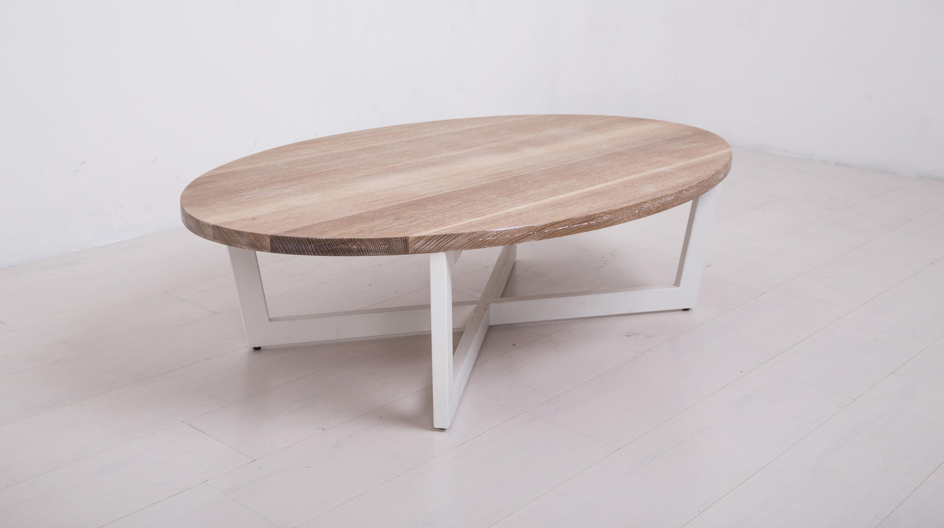 Essentials oval coffee table large lounge tables from for Table design oval