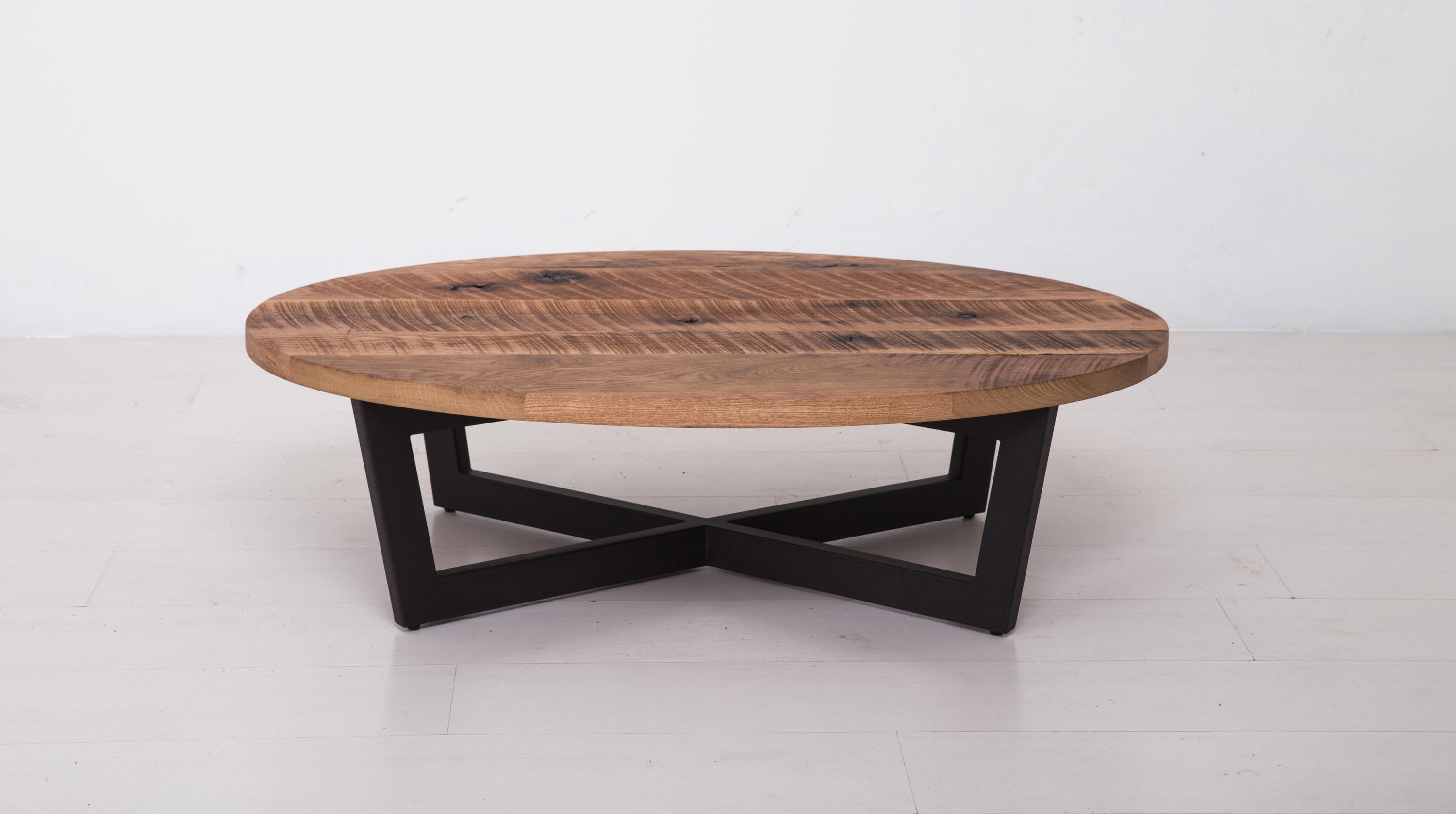 Essentials Oval Coffee Table Small Lounge Tables From Uhuru Design Architonic