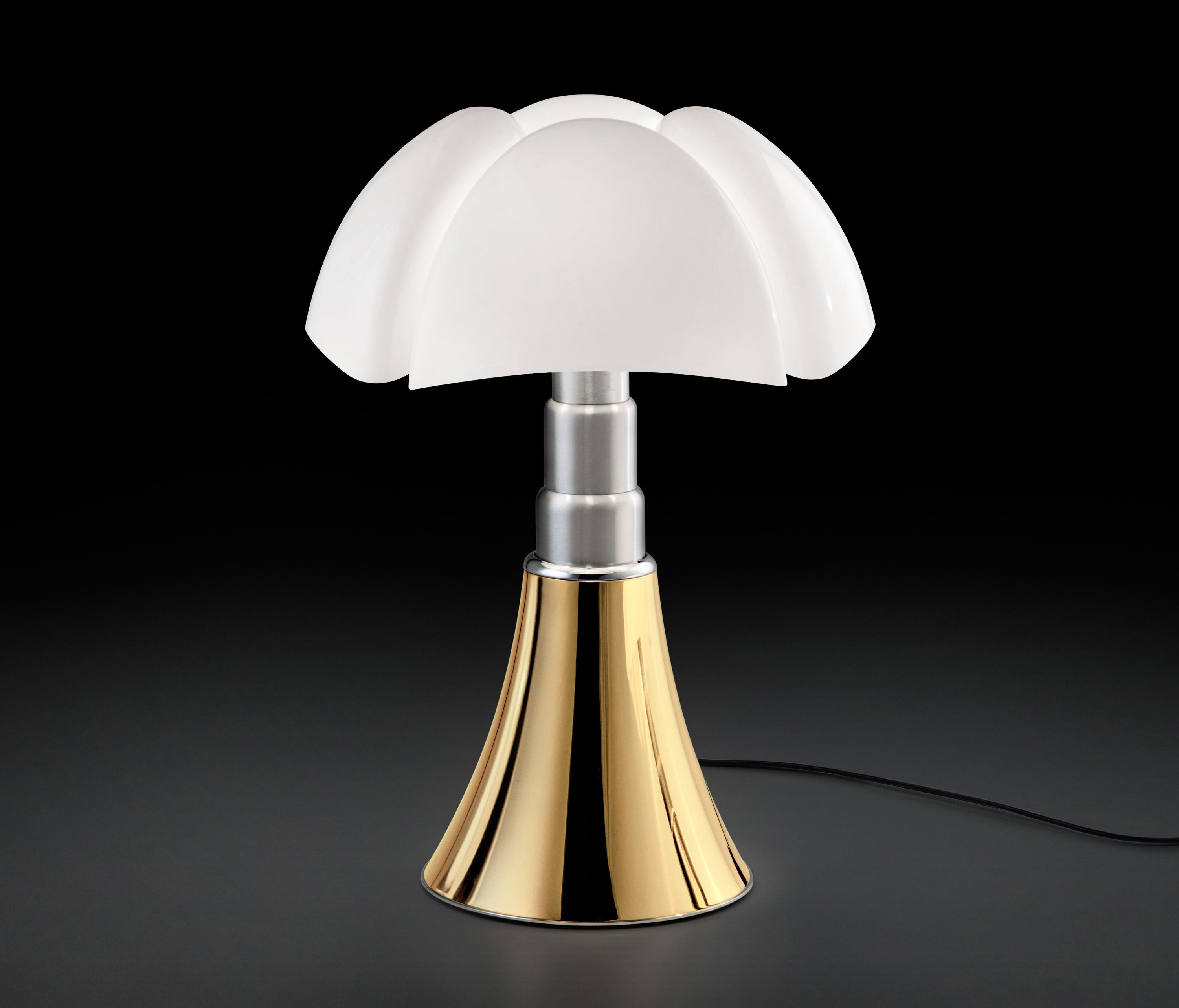 pipistrello 50 anni golden general lighting from martinelli luce architonic. Black Bedroom Furniture Sets. Home Design Ideas