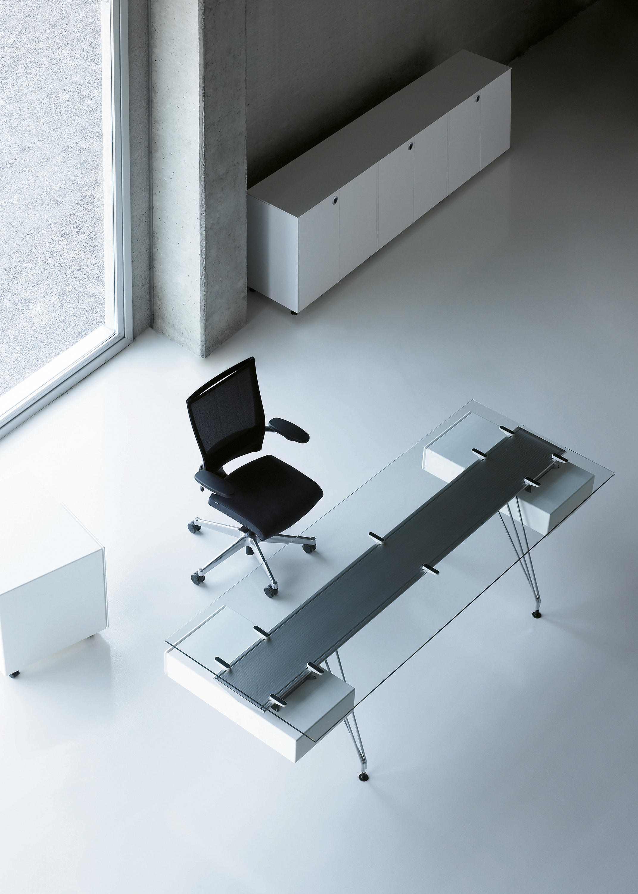 A1 Desks From Bk Contract Architonic