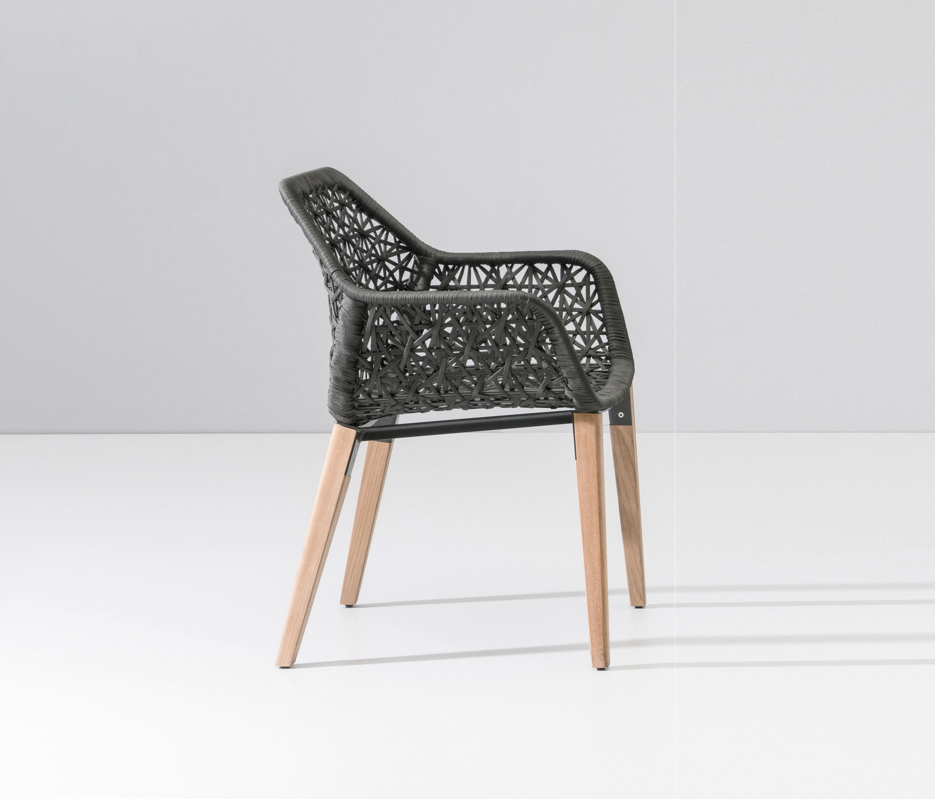 Maia dining armchair garden chairs from kettal architonic for Kettal maia chair