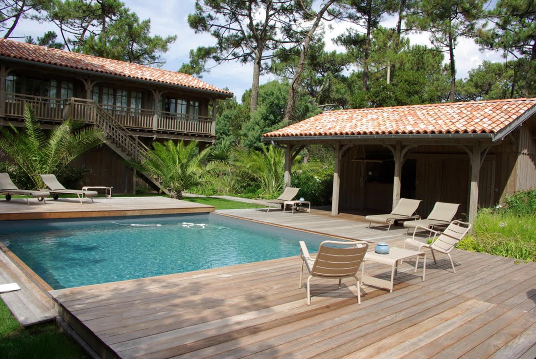 petite piscine piscines de piscines carr bleu architonic. Black Bedroom Furniture Sets. Home Design Ideas