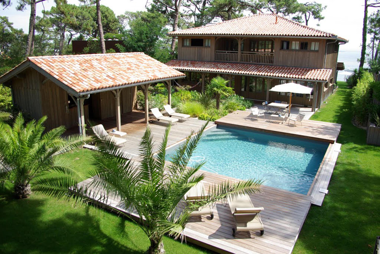Petite piscine piscines de piscines carr bleu architonic for Carre bleu piscine