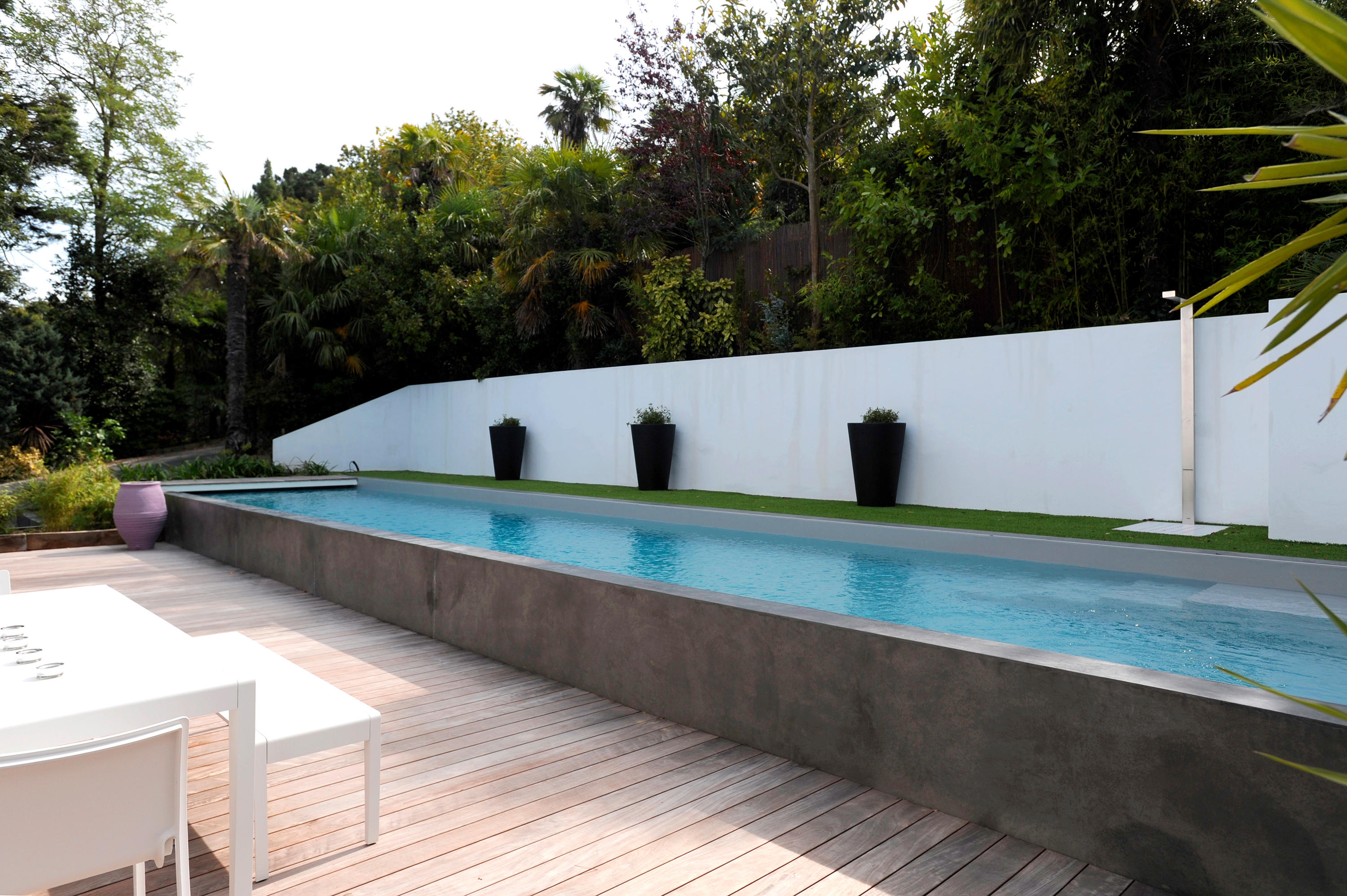 Half burried pool swimming pools from piscines carr for Pool terre pour piscine