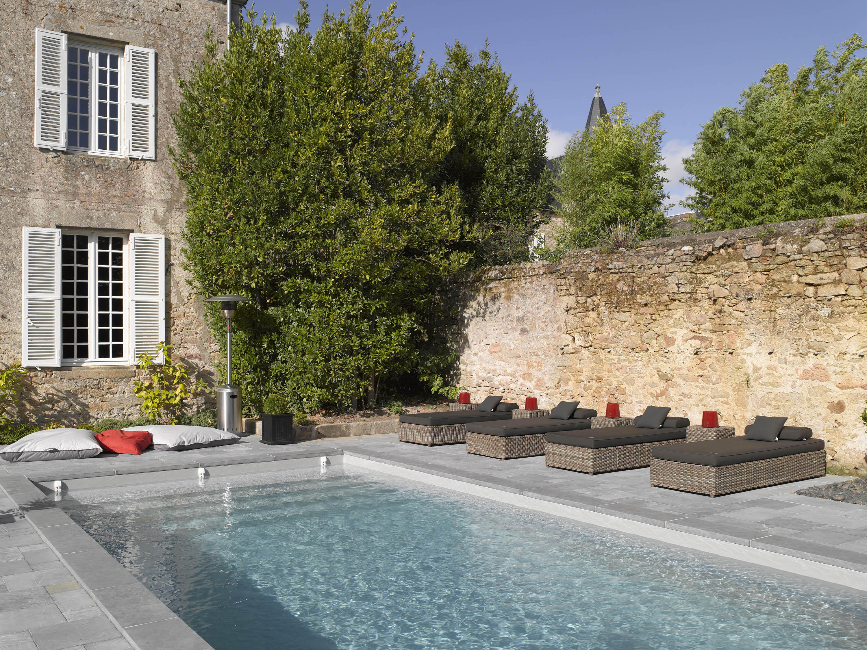 piscine urbaine piscines de piscines carr bleu architonic. Black Bedroom Furniture Sets. Home Design Ideas