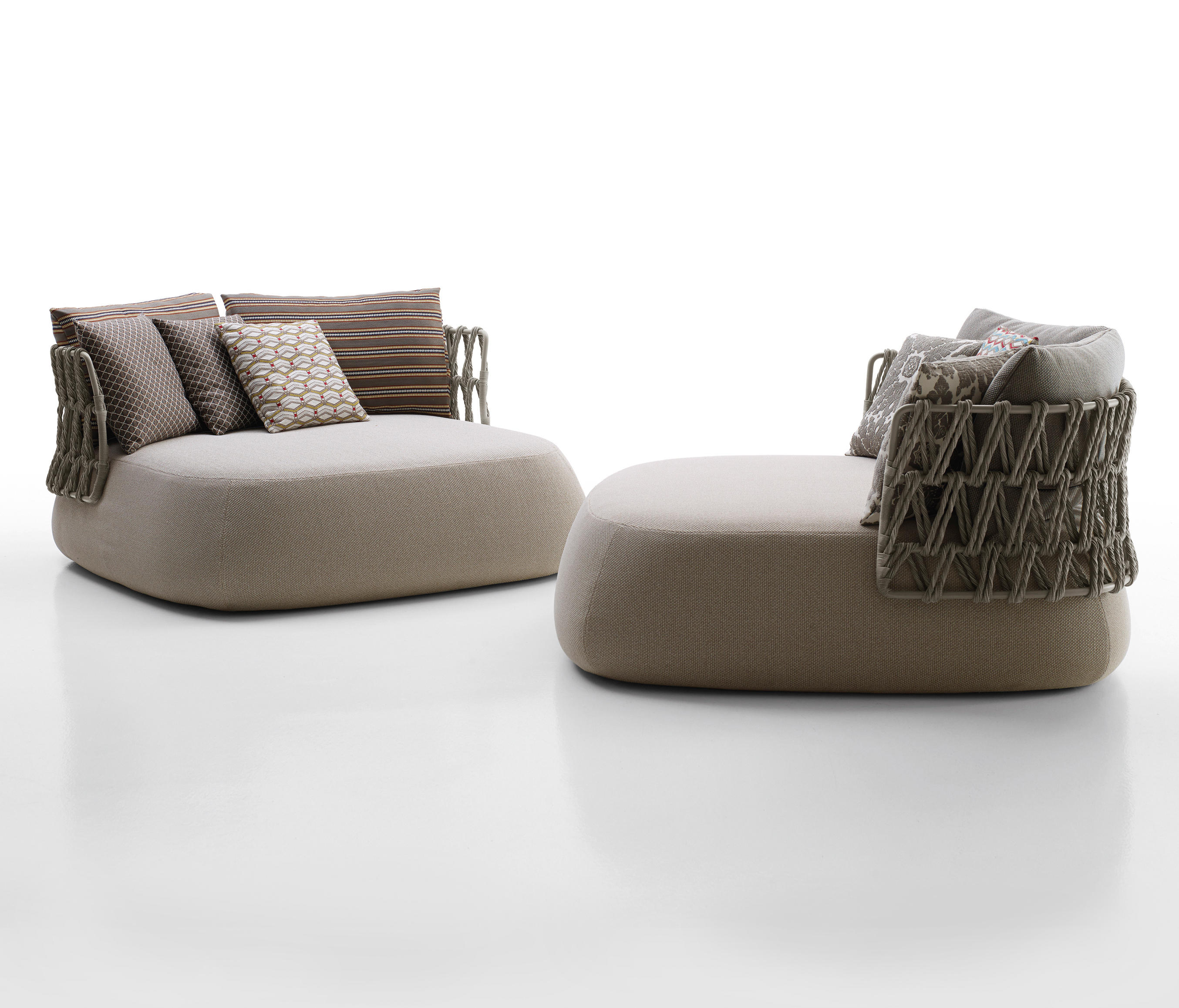 Fat sofa outdoor sofas from b b italia architonic for B b couch