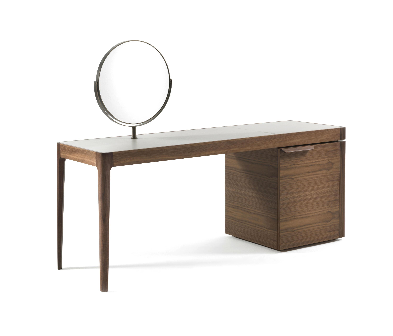 Afrodite dressing tables from porada architonic for Porada beauty dressing table