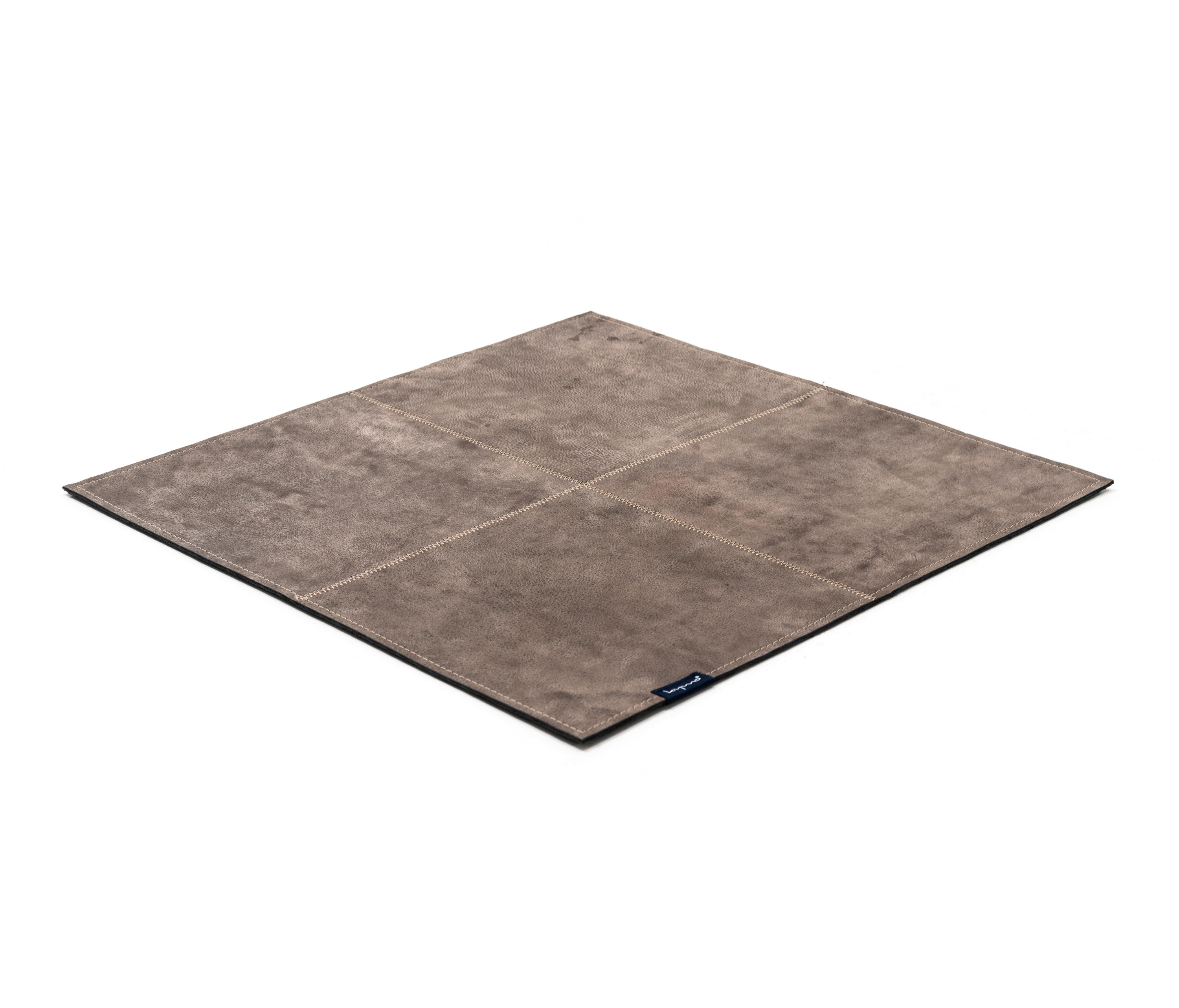 The Pure Soul Desert Patina Beige Rugs From Kymo Architonic